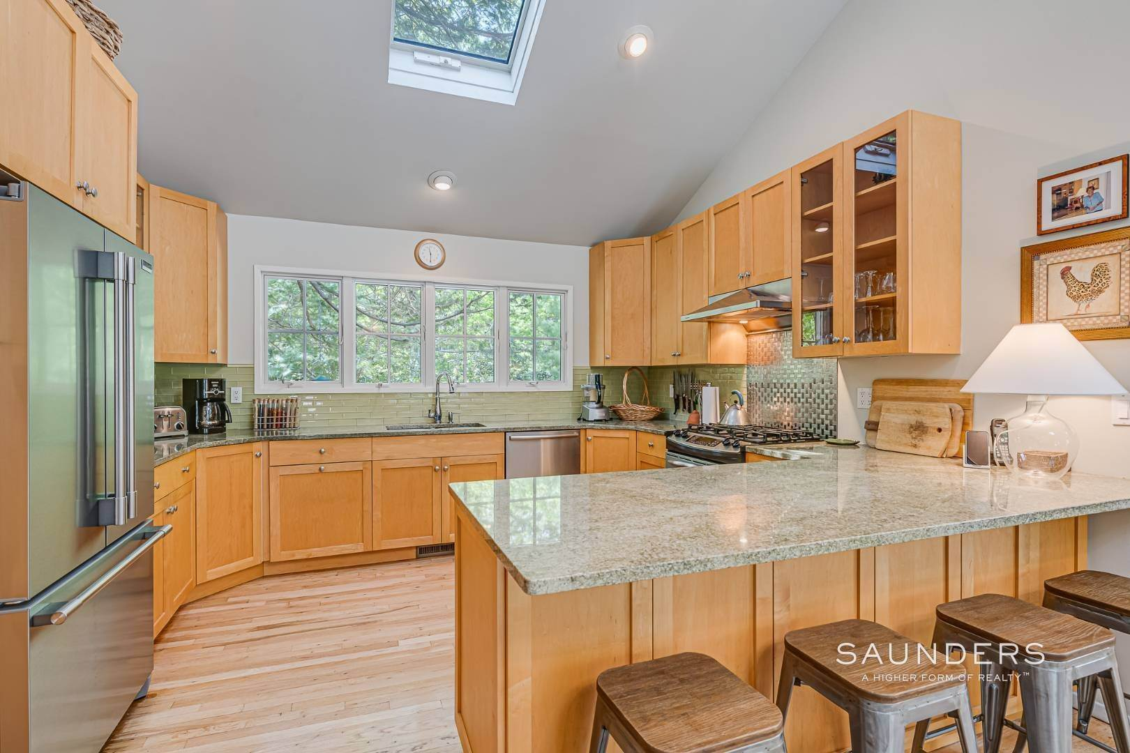10. Single Family Homes for Sale at Beach House By The Bay 31 Long Woods Lane, East Hampton, East Hampton Town, NY 11937