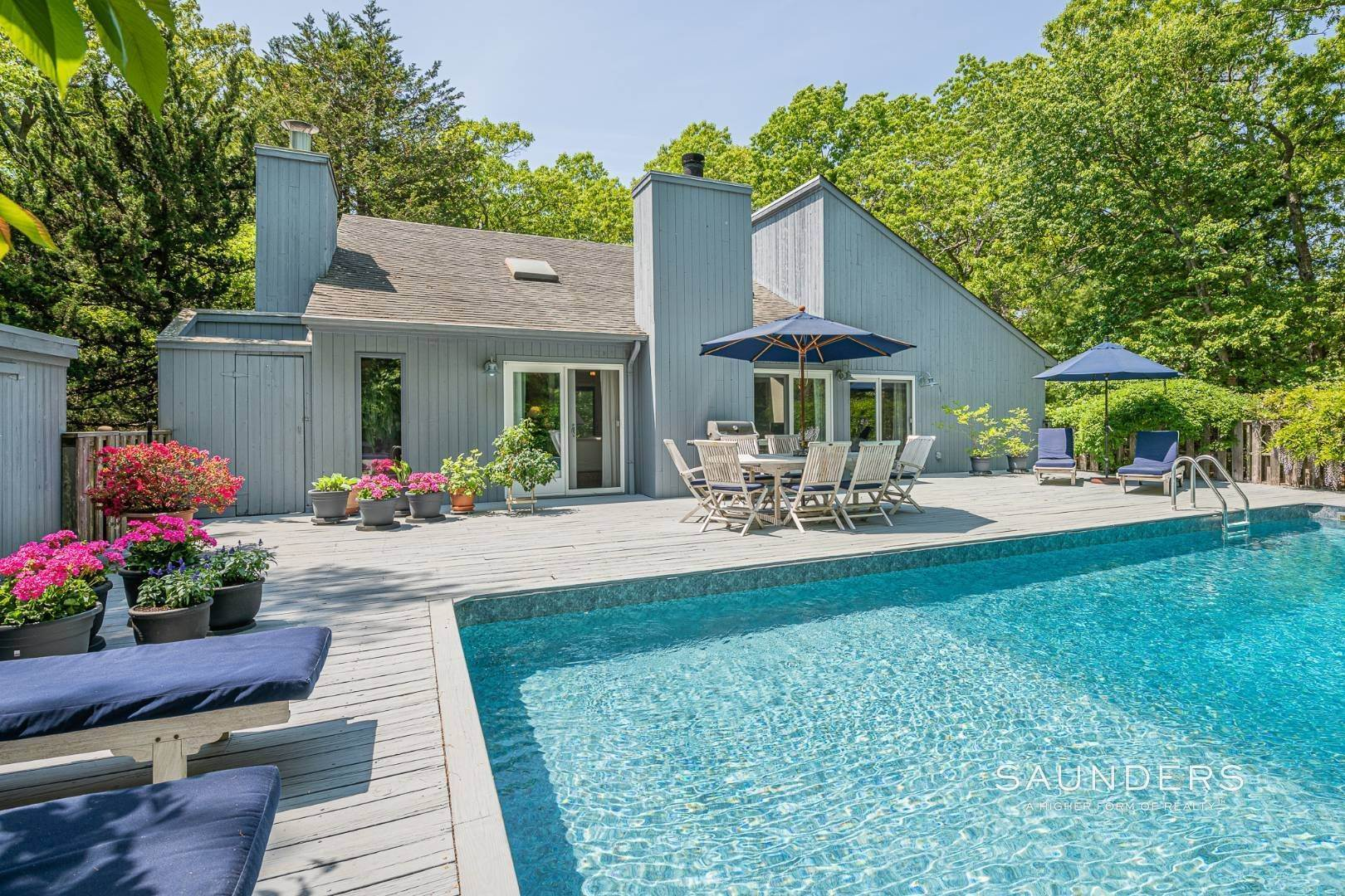 22. Single Family Homes for Sale at Beach House By The Bay 31 Long Woods Lane, East Hampton, East Hampton Town, NY 11937