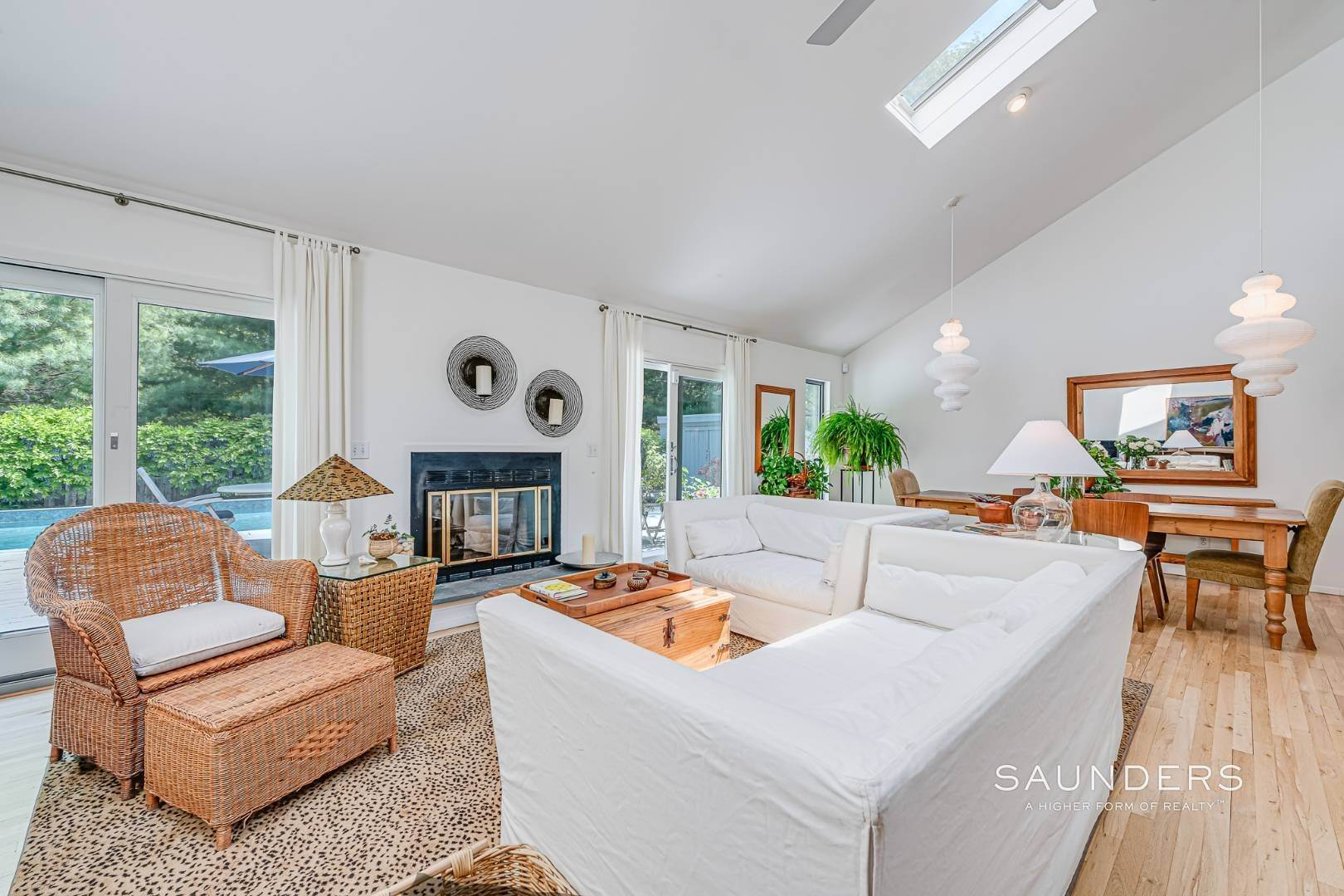 6. Single Family Homes for Sale at Beach House By The Bay 31 Long Woods Lane, East Hampton, East Hampton Town, NY 11937