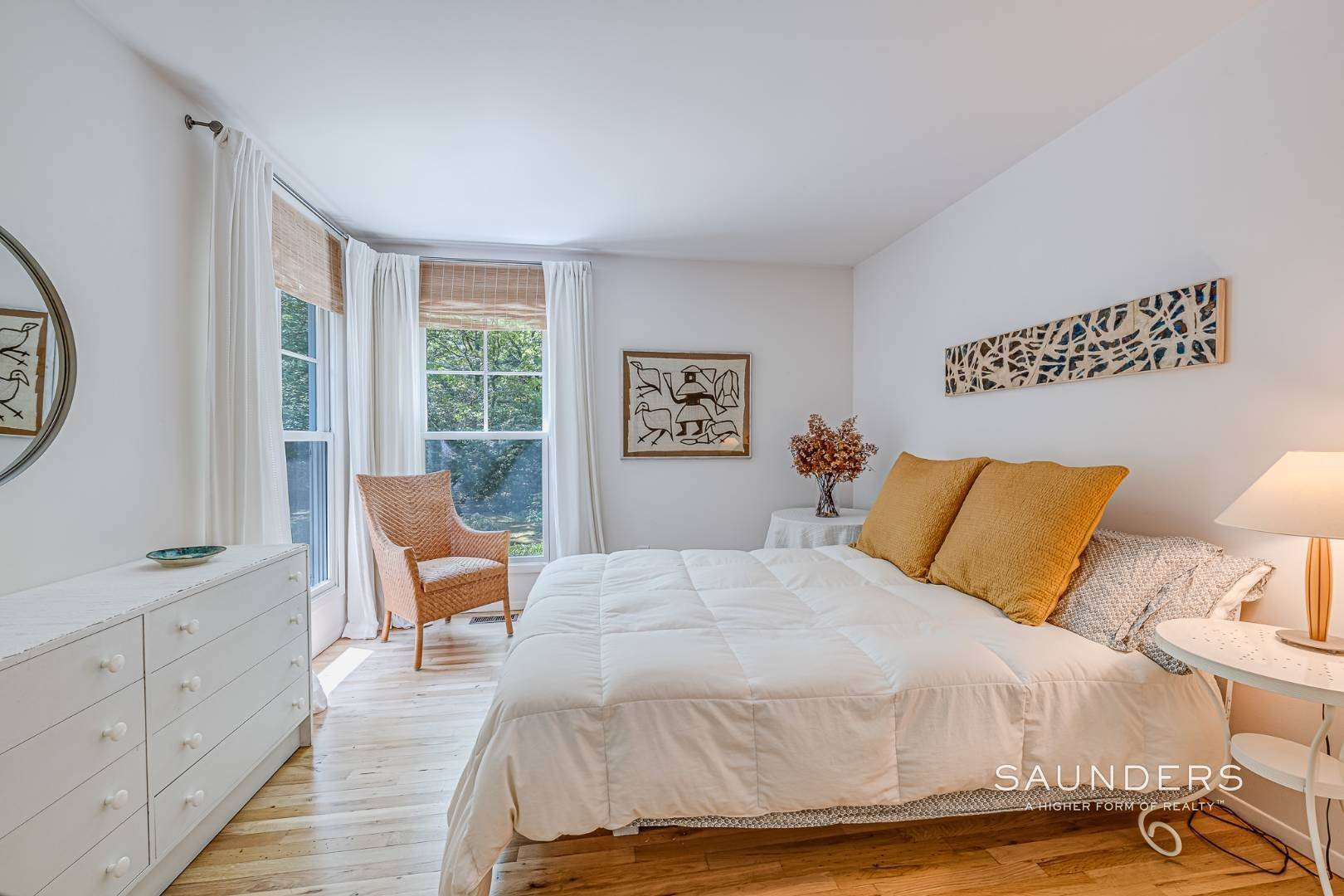 15. Single Family Homes for Sale at Beach House By The Bay 31 Long Woods Lane, East Hampton, East Hampton Town, NY 11937