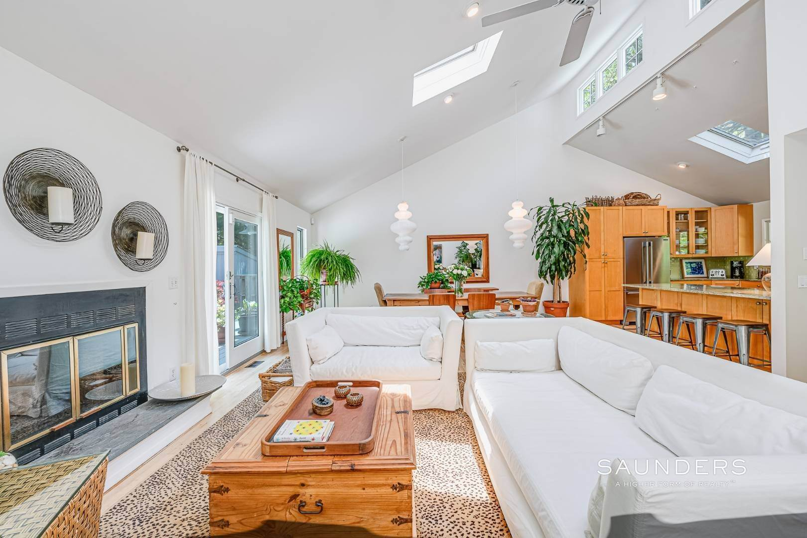 7. Single Family Homes for Sale at Beach House By The Bay 31 Long Woods Lane, East Hampton, East Hampton Town, NY 11937