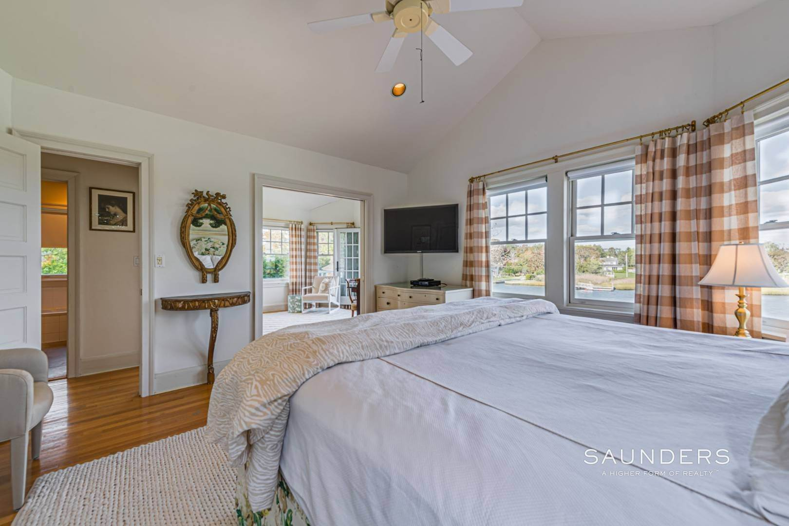 22. Single Family Homes for Sale at South Of Highway Waterfront Traditional In Quogue 21 Old Point Road, Quogue Village, Southampton Town, NY 11959