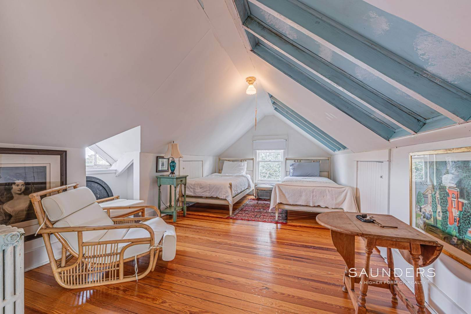 26. Single Family Homes for Sale at South Of Highway Waterfront Traditional In Quogue 21 Old Point Road, Quogue Village, Southampton Town, NY 11959