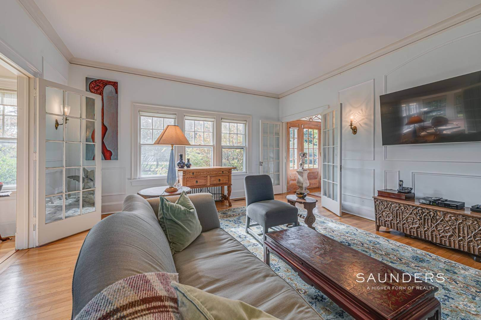 13. Single Family Homes for Sale at South Of Highway Waterfront Traditional In Quogue 21 Old Point Road, Quogue Village, Southampton Town, NY 11959