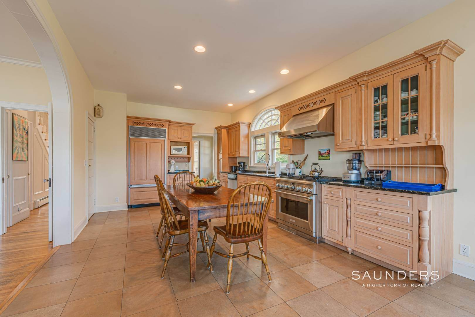 17. Single Family Homes for Sale at South Of Highway Waterfront Traditional In Quogue 21 Old Point Road, Quogue Village, Southampton Town, NY 11959