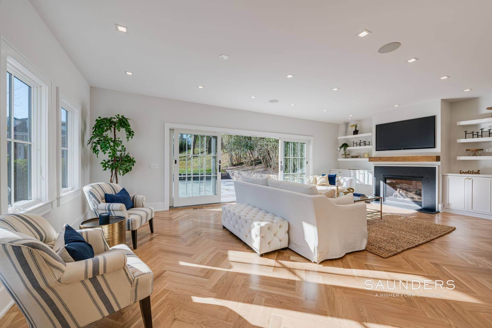 4. Single Family Homes for Sale at Village Modern Traditional 111 North Main Street, Southampton, Southampton Town, NY 11968