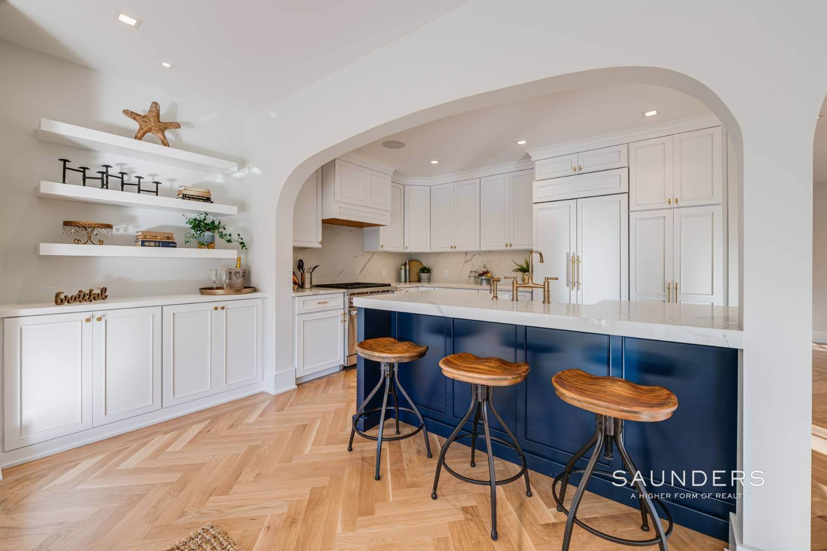 6. Single Family Homes for Sale at Village Modern Traditional 111 North Main Street, Southampton, Southampton Town, NY 11968