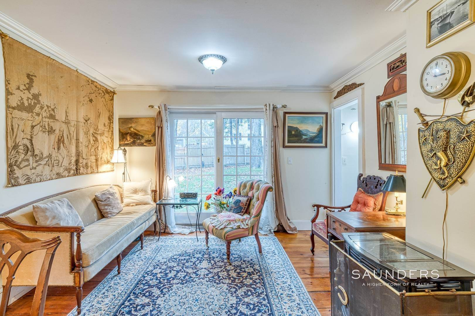 6. Single Family Homes for Sale at Shelter Island 1899 Farmhouse Close To Beach-Business Zoned 33 West Neck Road, Shelter Island Heights, Shelter Island, NY 11964