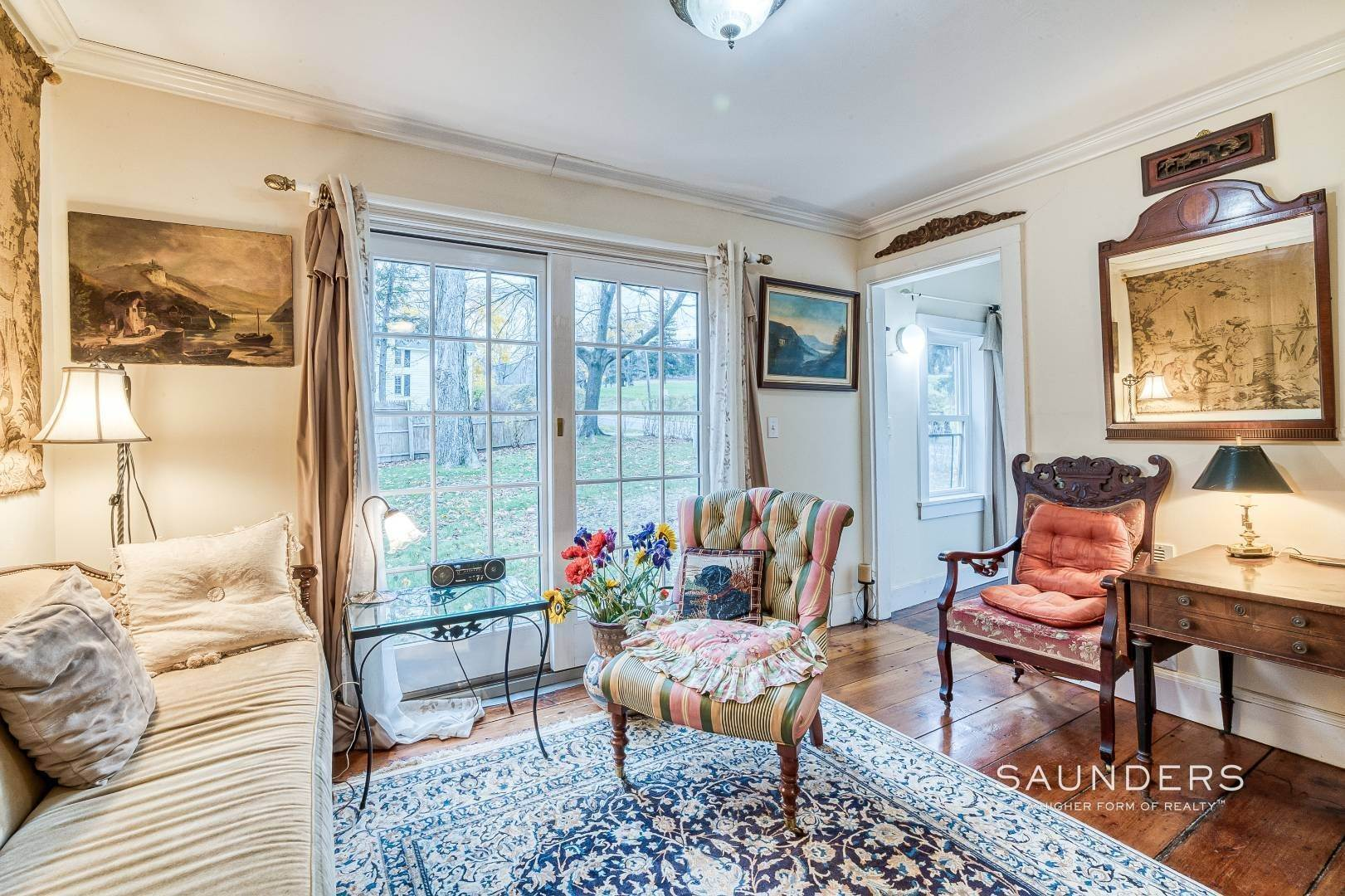 4. Single Family Homes for Sale at Shelter Island 1899 Farmhouse Close To Beach-Business Zoned 33 West Neck Road, Shelter Island Heights, Shelter Island, NY 11964