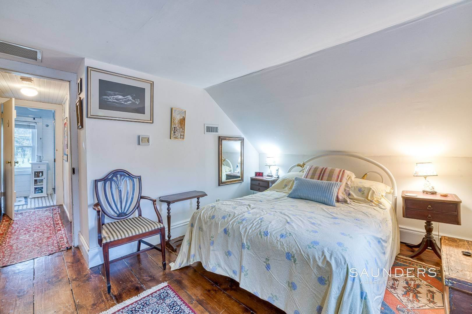 29. Single Family Homes for Sale at Shelter Island 1899 Farmhouse Close To Beach-Business Zoned 33 West Neck Road, Shelter Island Heights, Shelter Island, NY 11964