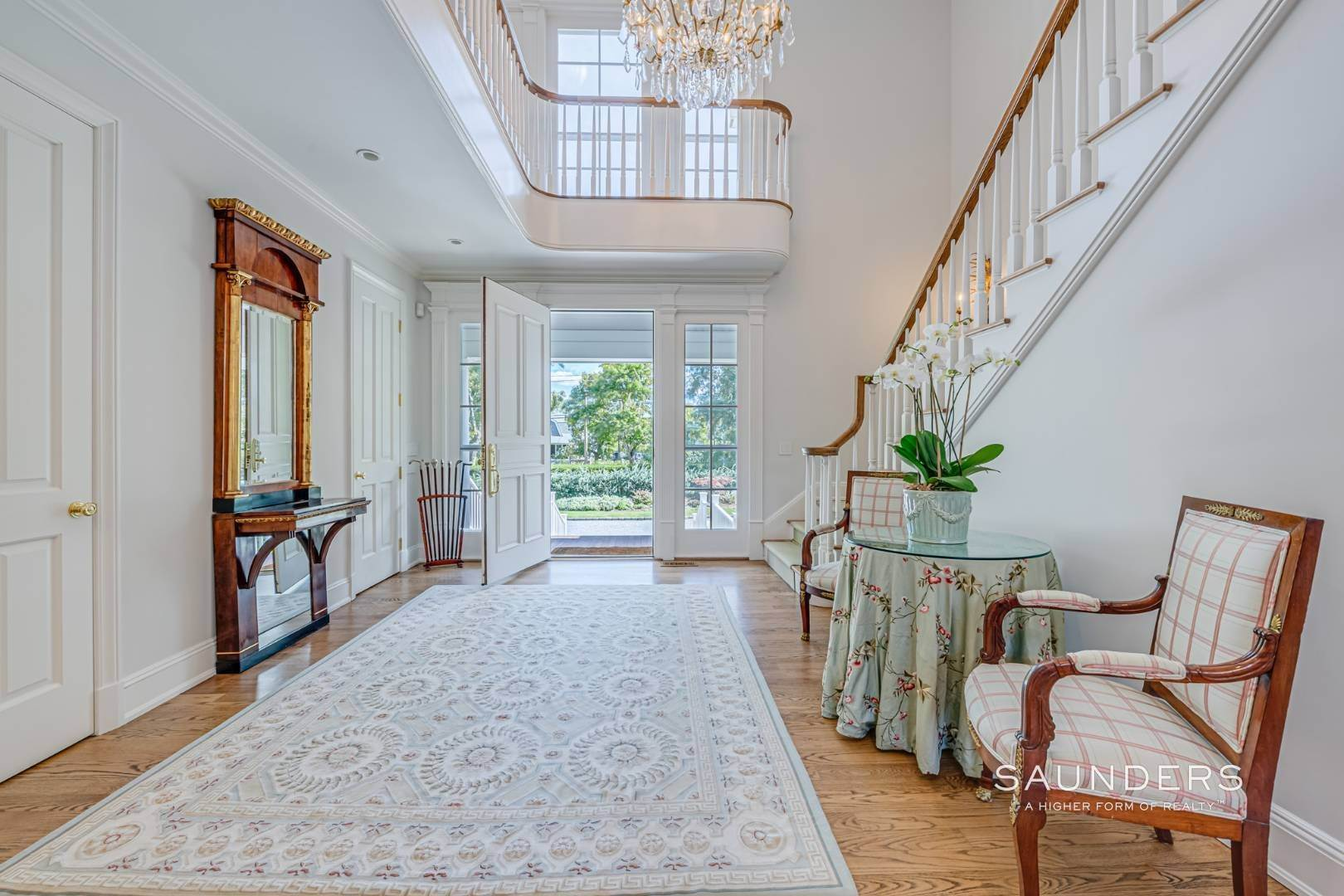 6. Single Family Homes for Sale at Classic Elegance In The Heart Of Quogue Village 68 Quogue Street, Quogue Village, Southampton Town, NY 11959