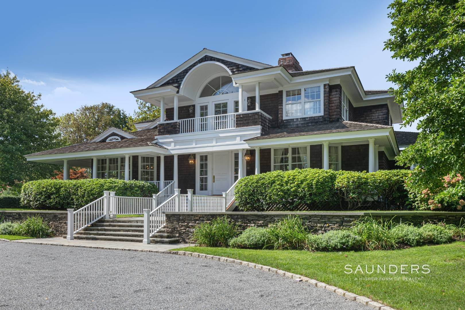 2. Single Family Homes for Sale at Classic Elegance In The Heart Of Quogue Village 68 Quogue Street, Quogue Village, Southampton Town, NY 11959
