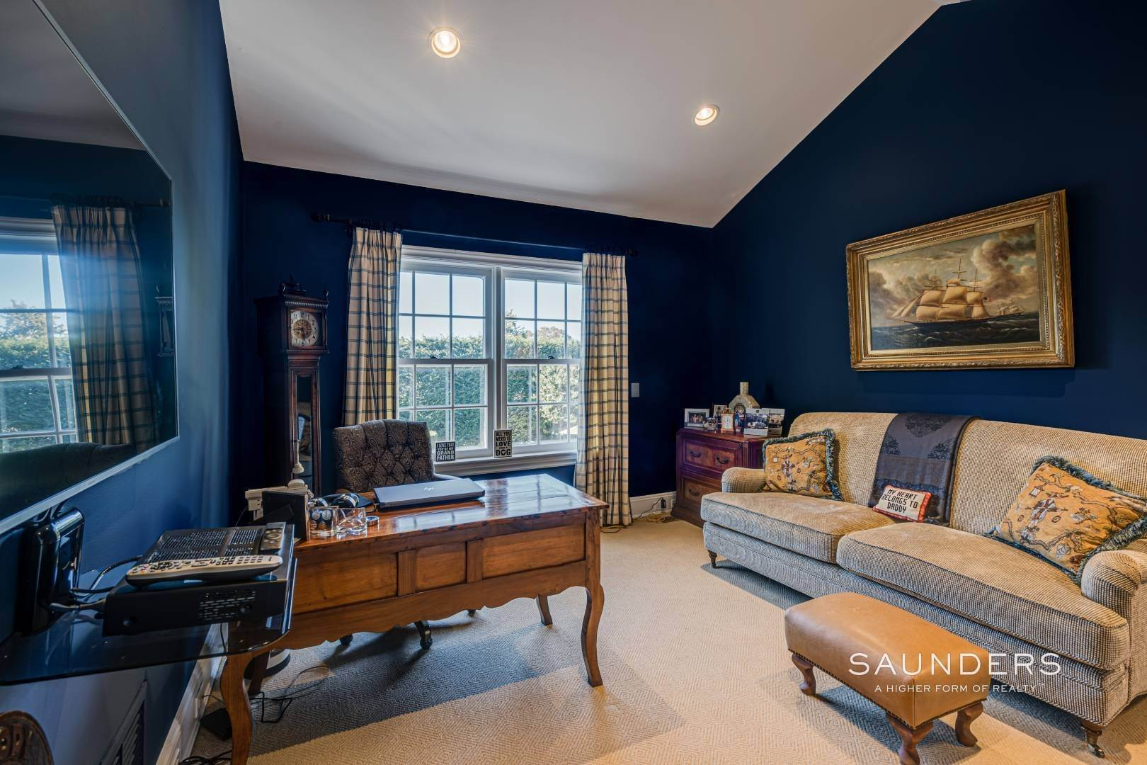 24. Single Family Homes for Sale at Classic Elegance In The Heart Of Quogue Village 68 Quogue Street, Quogue Village, Southampton Town, NY 11959