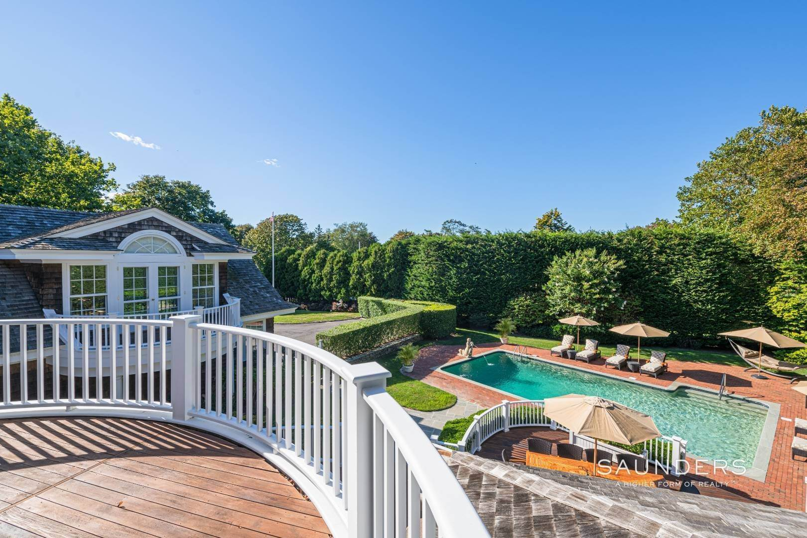21. Single Family Homes for Sale at Classic Elegance In The Heart Of Quogue Village 68 Quogue Street, Quogue Village, Southampton Town, NY 11959