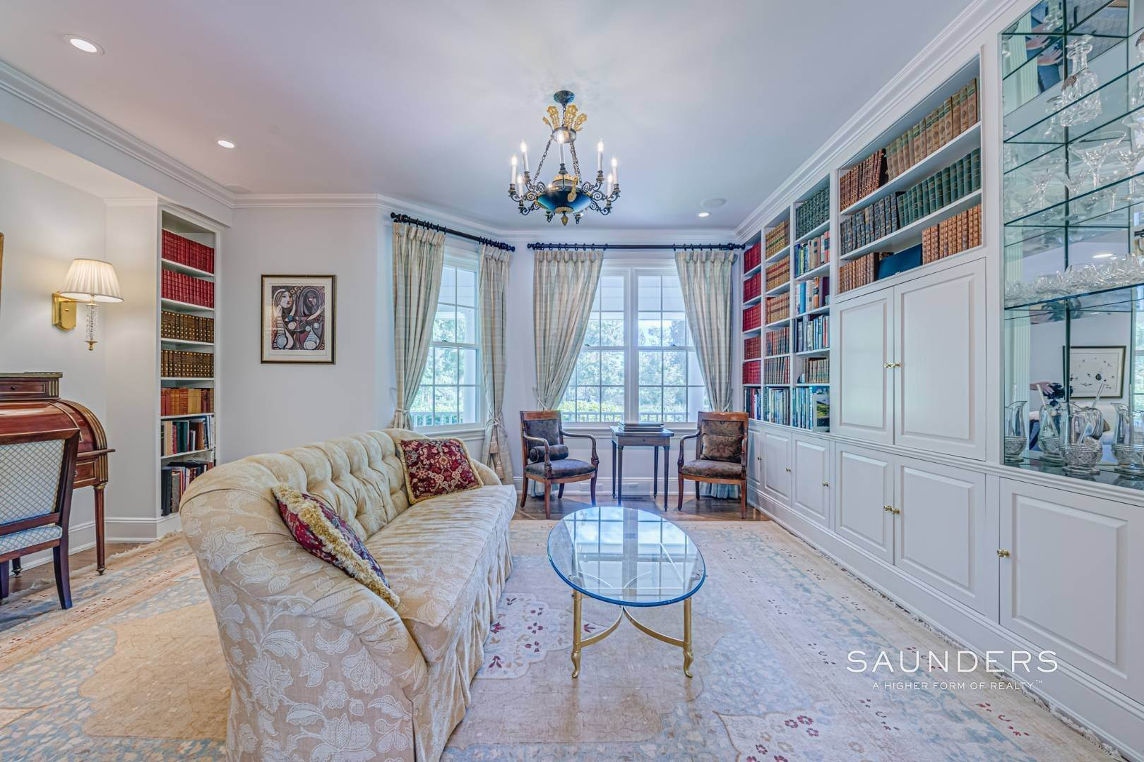 11. Single Family Homes for Sale at Classic Elegance In The Heart Of Quogue Village 68 Quogue Street, Quogue Village, Southampton Town, NY 11959