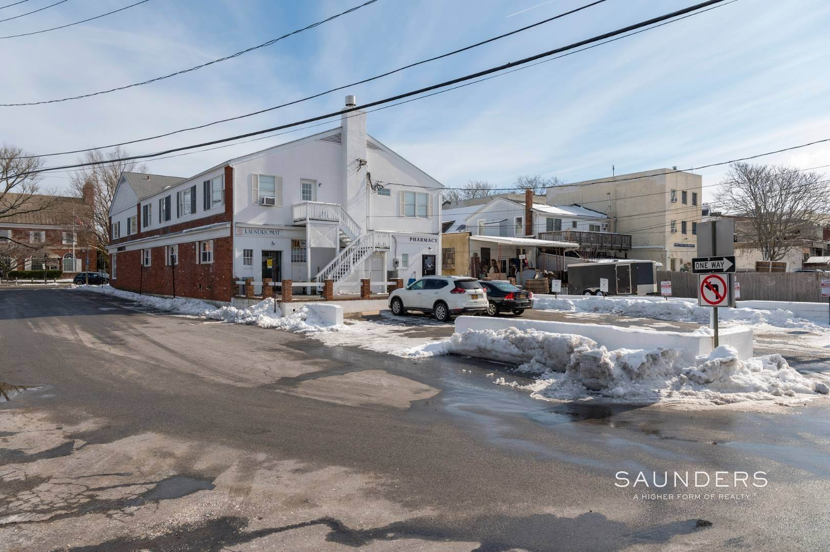 5. Multi-Family Homes for Sale at Sag Harbor Village Mixed-Use Investment Property Sag Harbor, Southampton Town, NY 11963