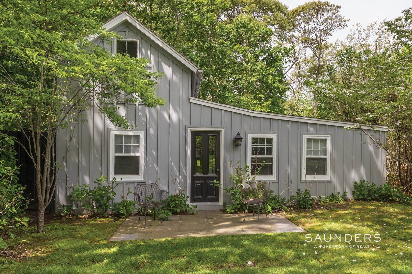 21. Single Family Homes for Sale at Historic Sag Harbor Charm On Rare Half Acre 27 Columbia Street, Sag Harbor, Southampton Town, NY 11963
