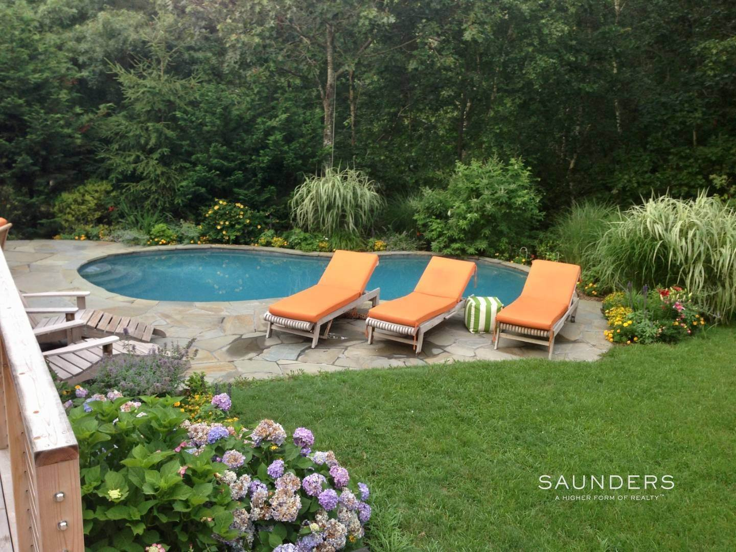 33. Single Family Homes for Sale at Shelter Island Tranquility With Pool 23 Lakeview Drive, Shelter Island, NY 11964