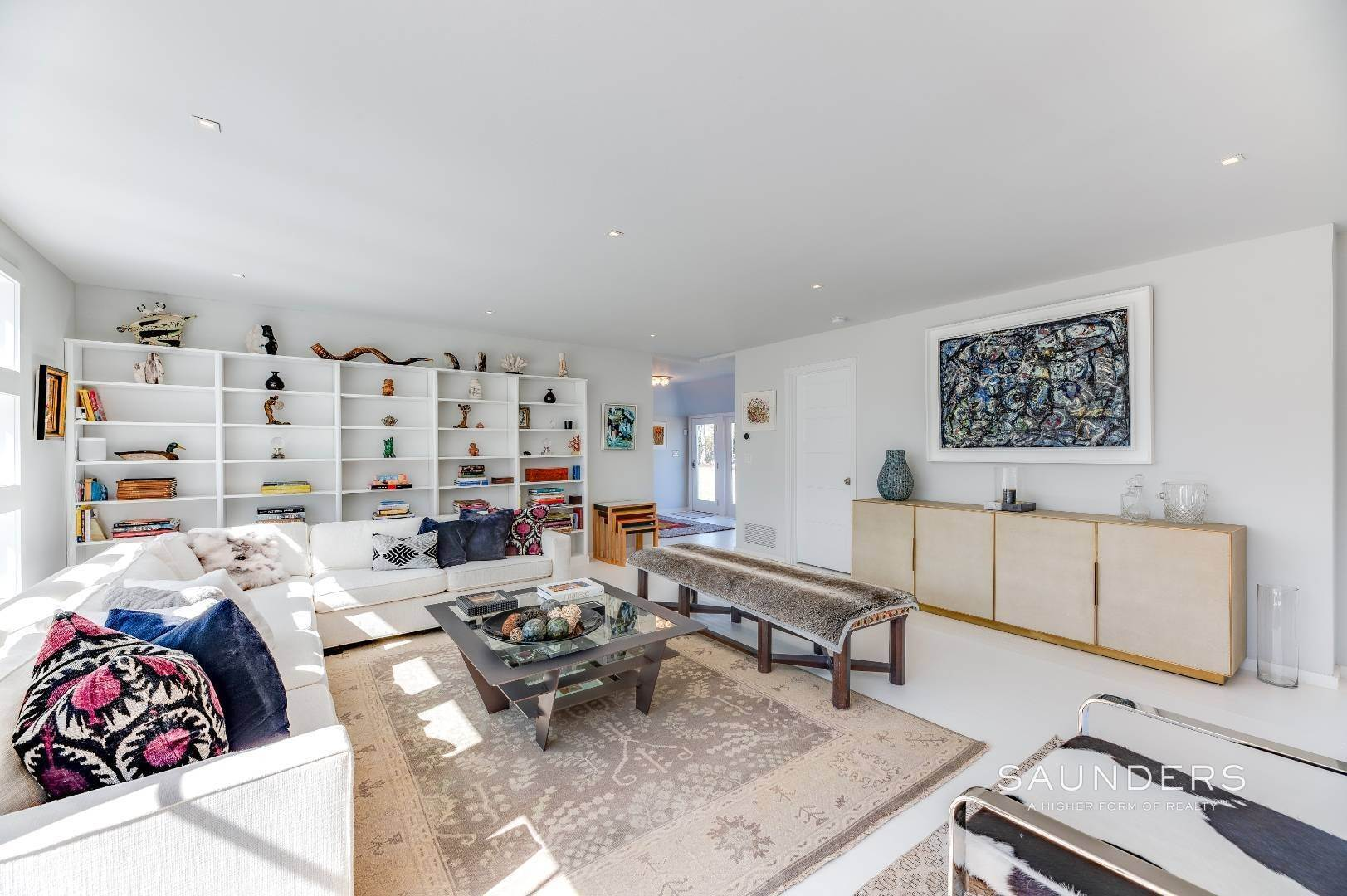 7. Single Family Homes for Sale at Renovated Boutique Barn 407 North Sea Mecox Road, Southampton, Southampton Town, NY 11968