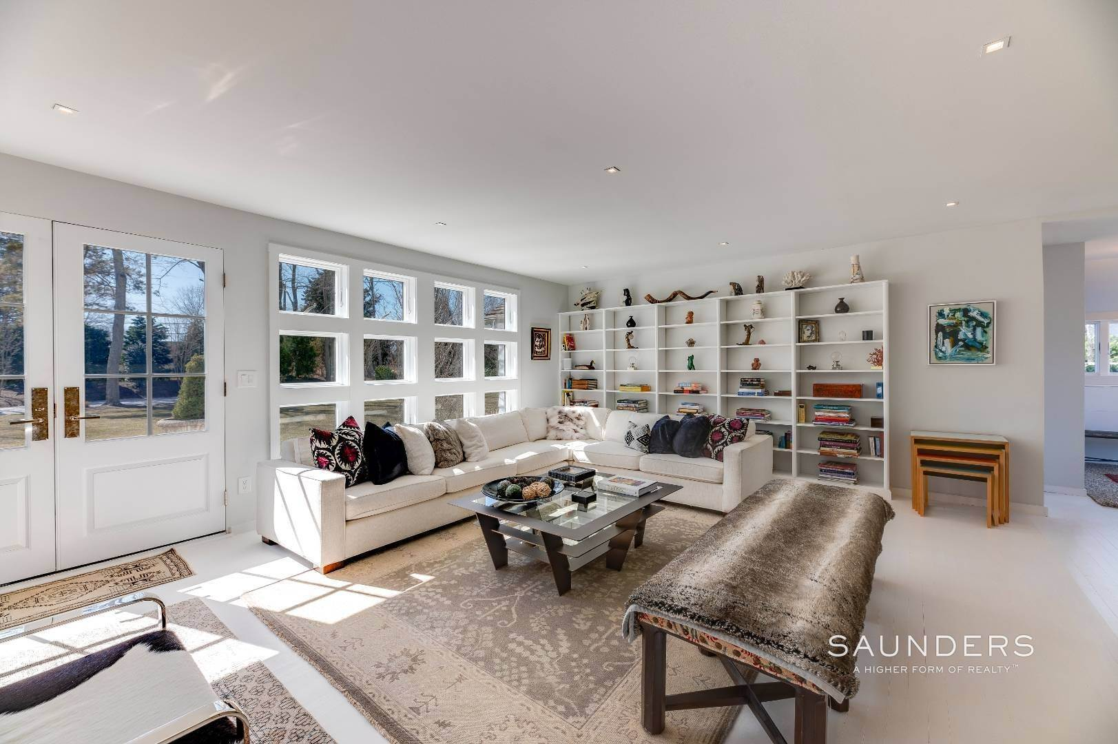 6. Single Family Homes for Sale at Renovated Boutique Barn 407 North Sea Mecox Road, Southampton, Southampton Town, NY 11968