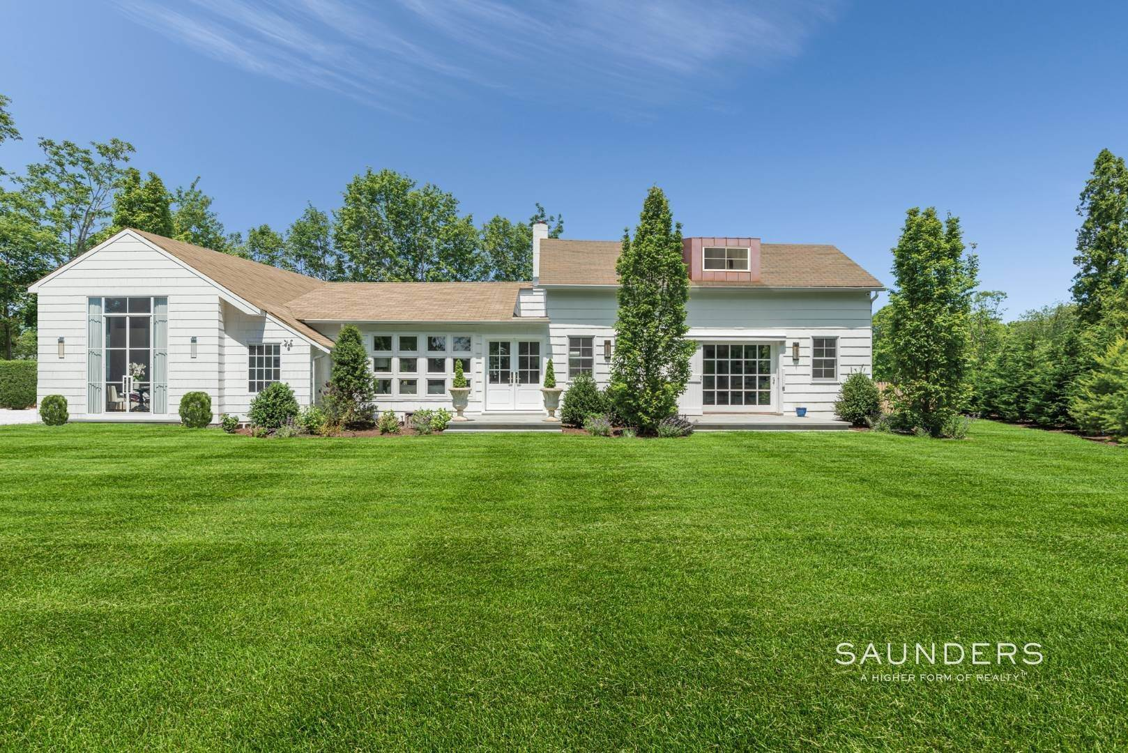 Single Family Homes for Sale at Renovated Boutique Barn 407 North Sea Mecox Road, Southampton, Southampton Town, NY 11968