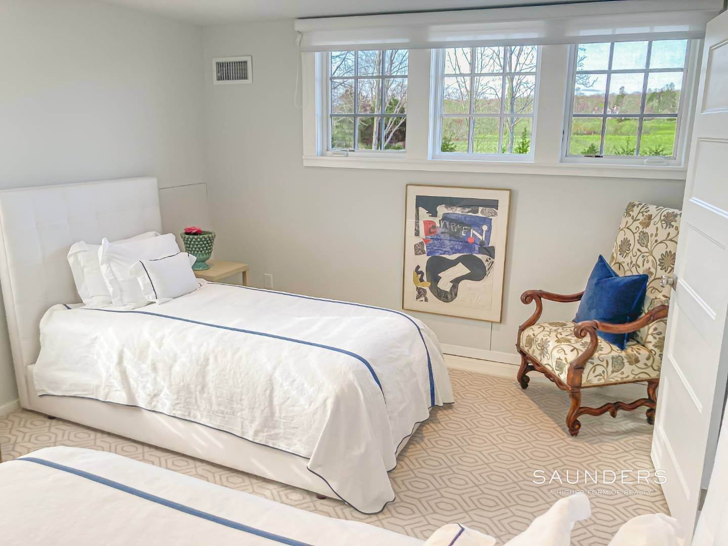 20. Single Family Homes for Sale at Renovated Boutique Barn 407 North Sea Mecox Road, Southampton, Southampton Town, NY 11968