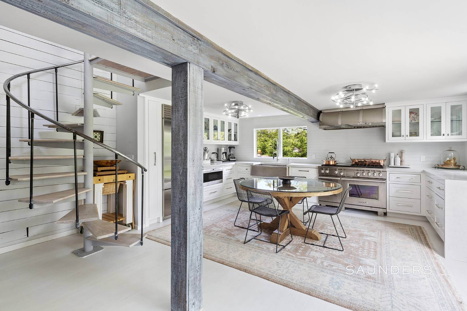 11. Single Family Homes for Sale at Renovated Boutique Barn 407 North Sea Mecox Road, Southampton, Southampton Town, NY 11968