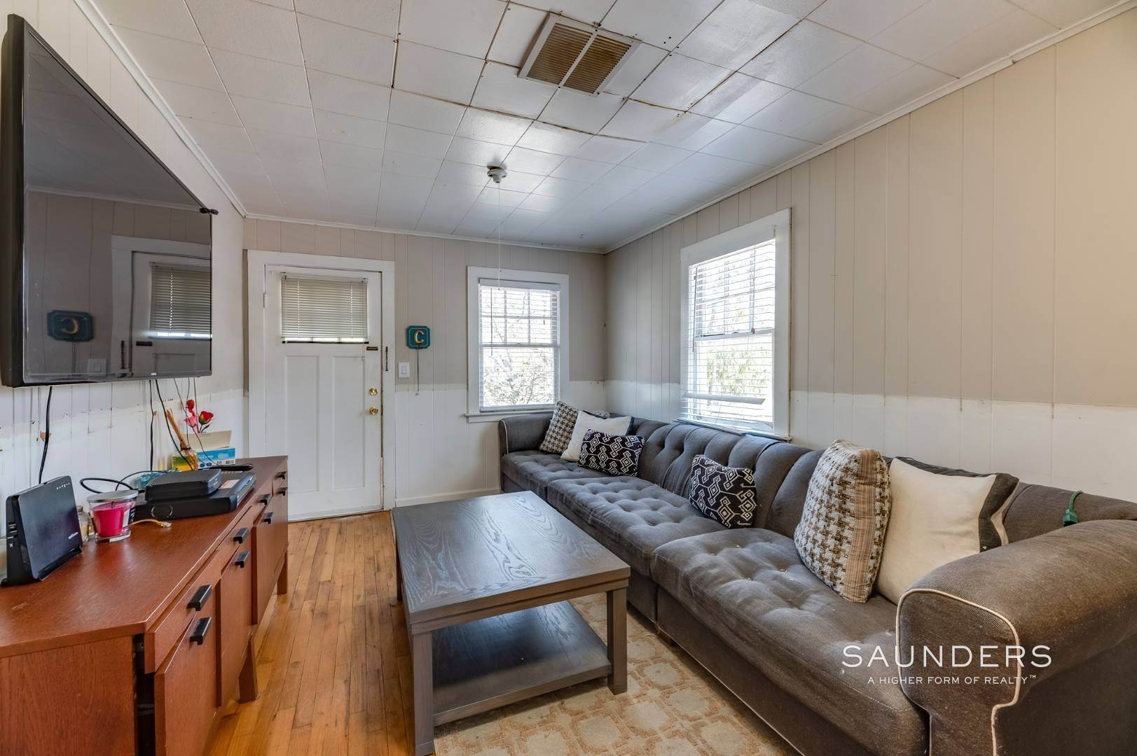 15. Single Family Homes for Sale at Income Producing Property In E. Quogue & Subdivision Opportunity 22 Vail Avenue, East Quogue, Southampton Town, NY 11942