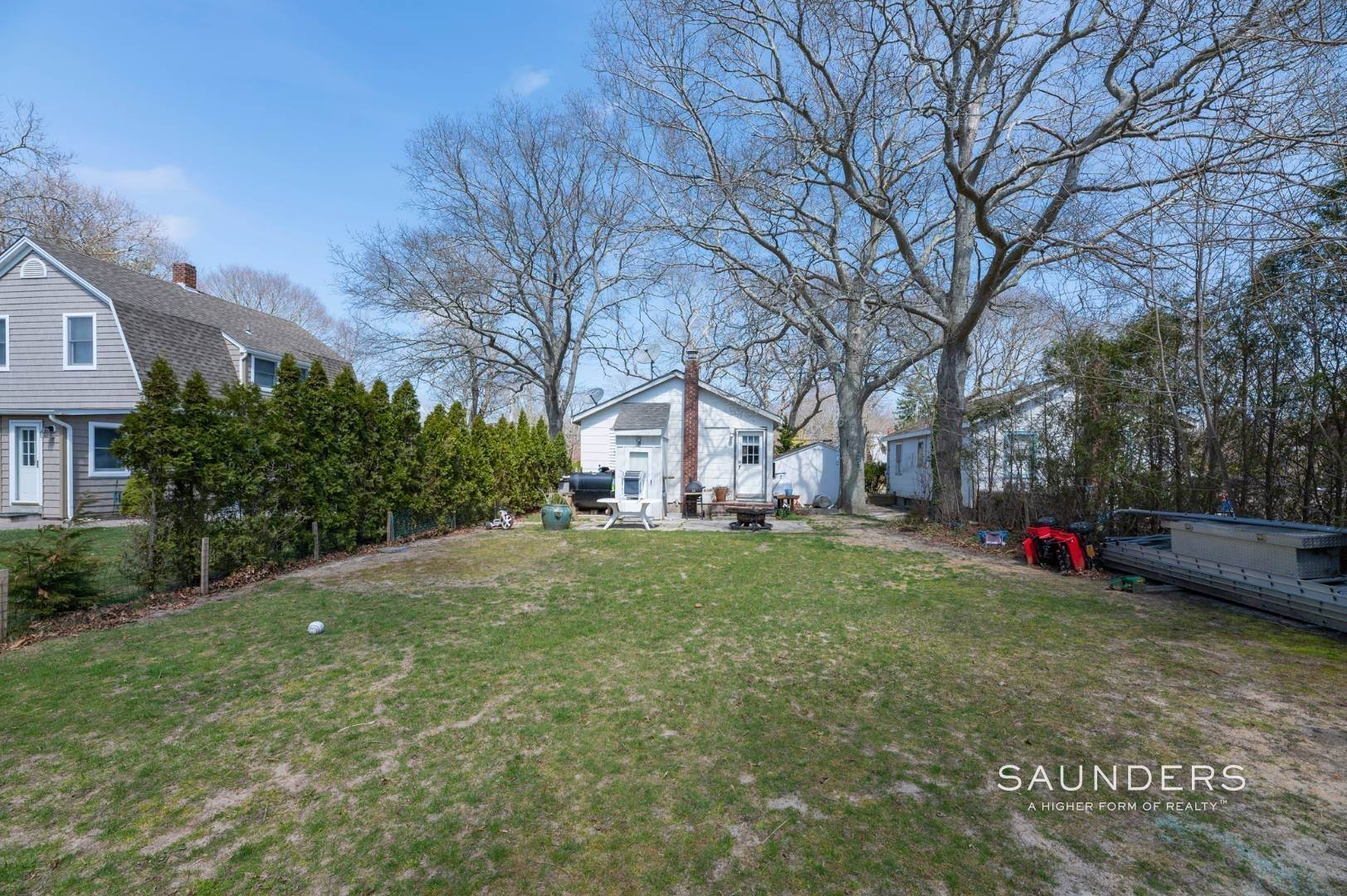 11. Single Family Homes for Sale at Income Producing Property In E. Quogue & Subdivision Opportunity 22 Vail Avenue, East Quogue, Southampton Town, NY 11942