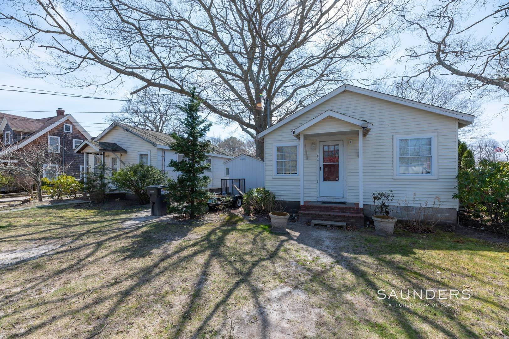 13. Single Family Homes for Sale at Income Producing Property In E. Quogue & Subdivision Opportunity 22 Vail Avenue, East Quogue, Southampton Town, NY 11942