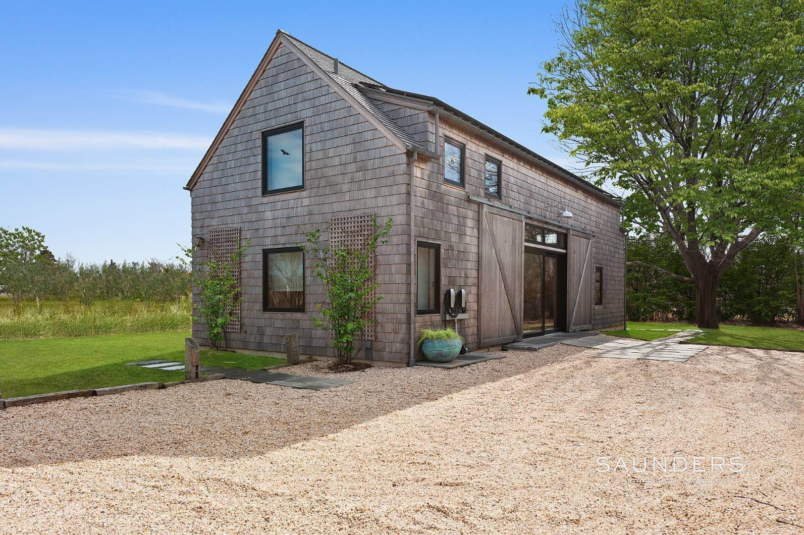 15. Single Family Homes at Sagaponack Climate Barn 25 Daniels Lane, Sagaponack Village, Southampton Town, NY 11962