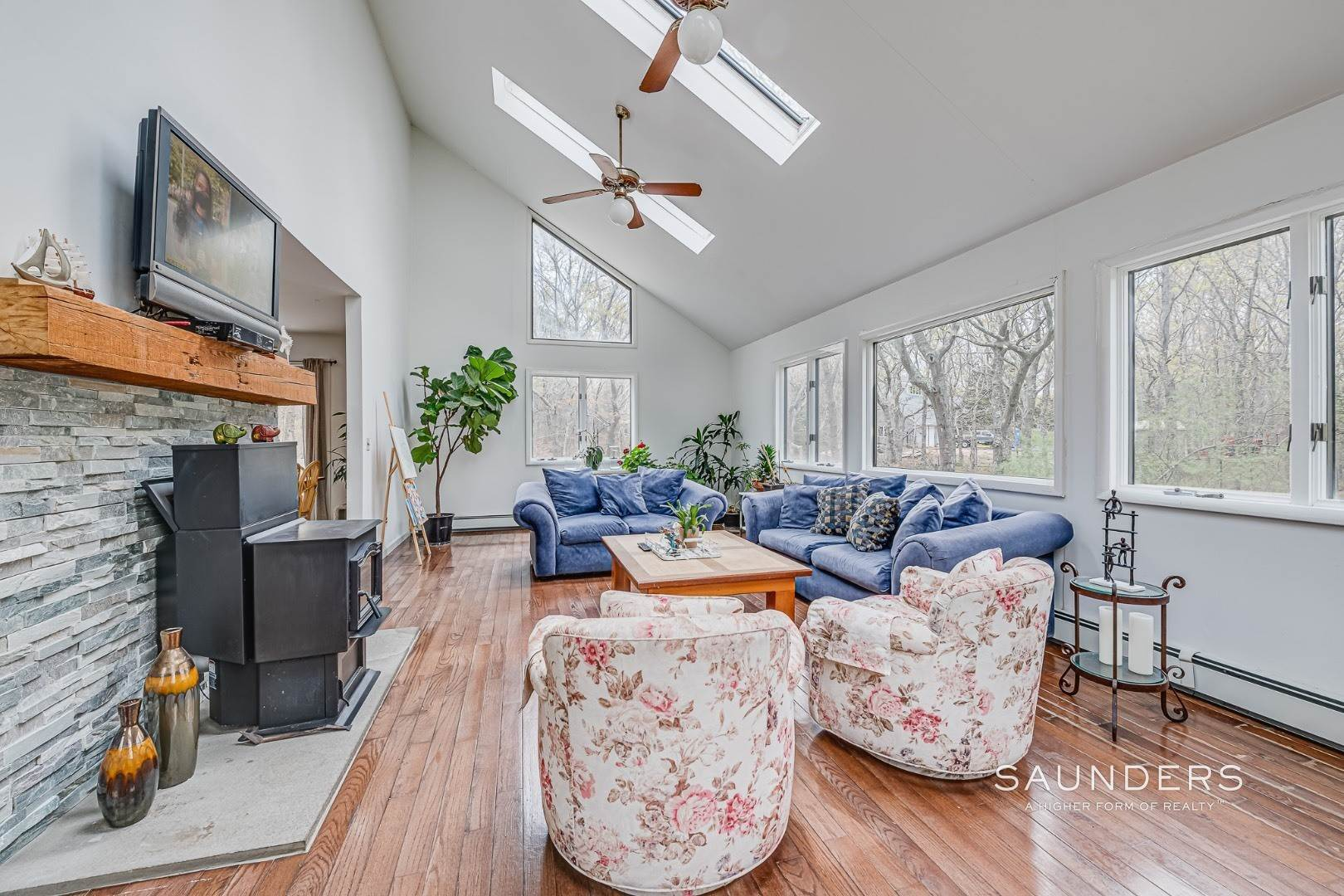 3. Single Family Homes for Sale at Contemporary Home On Large Parcel In Wainscott 20 Ridge Road, Wainscott, East Hampton Town, NY 11937