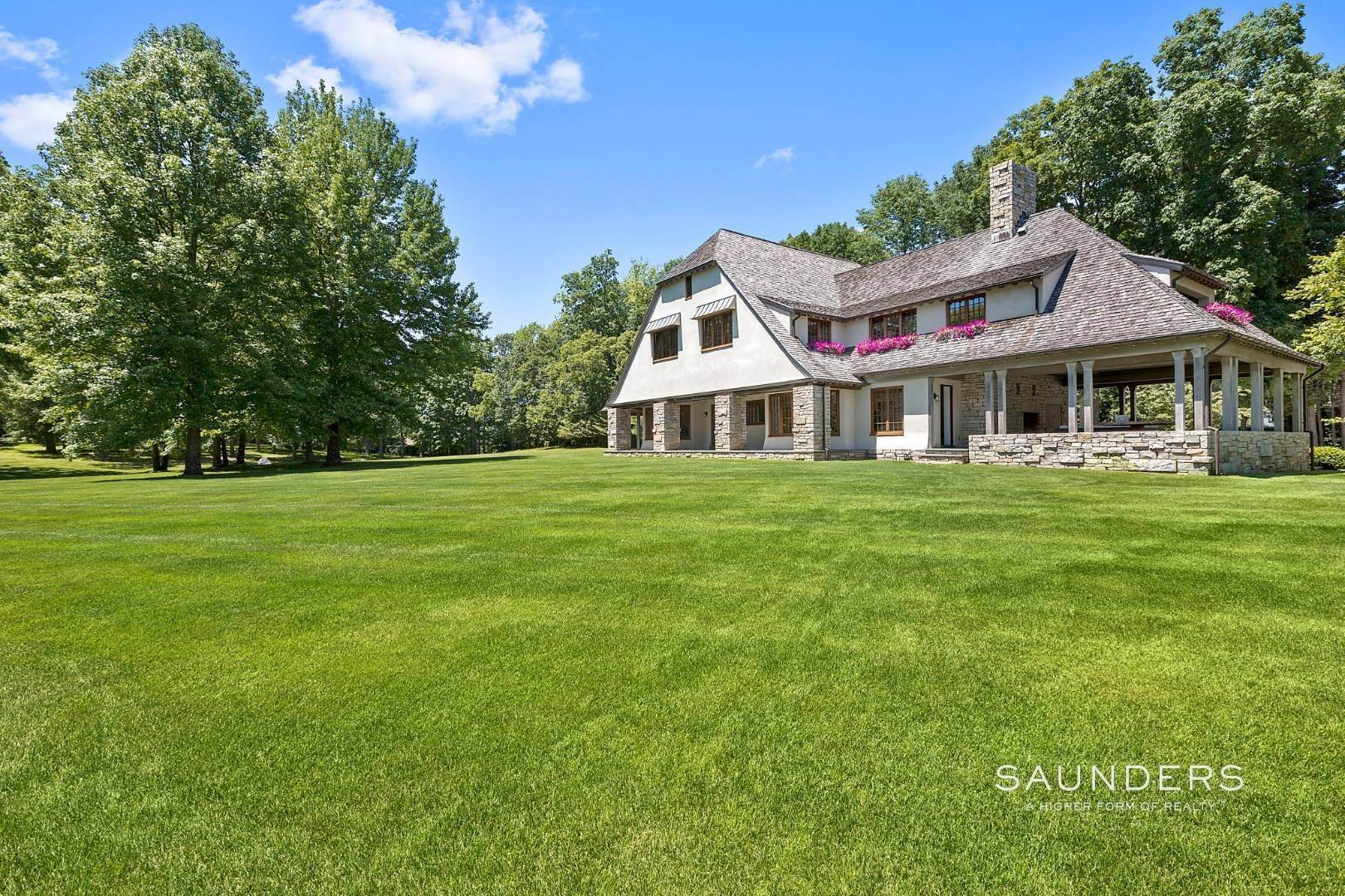 Single Family Homes for Sale at Shelter Island Estate Over 7 Acres With Pool And Cabana 41 Manhanset Road, Dering Harbor Village, Shelter Island, NY 11964