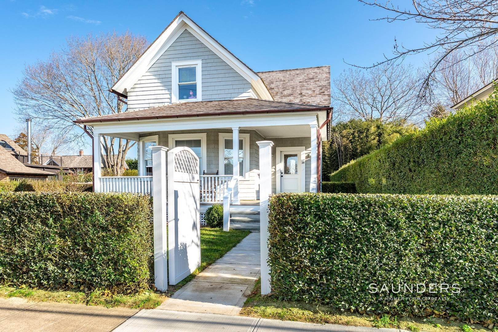 Single Family Homes at Turnkey Bridgehampton Village Charmer 39 Corwith Avenue, Bridgehampton, Southampton Town, NY 11932