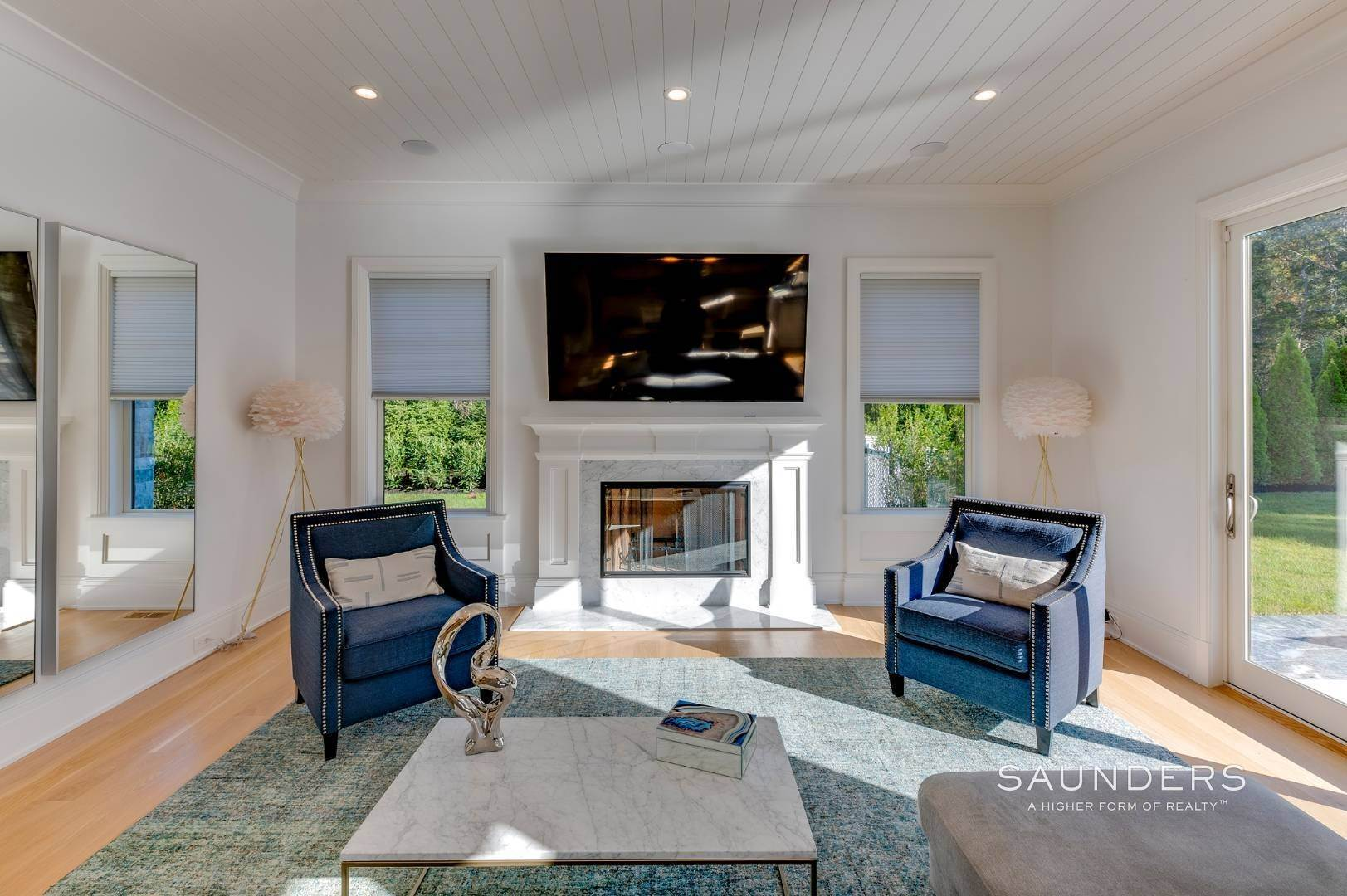 4. Single Family Homes at Gated And Very Private Ultra Luxury Modern Residence Southampton, Southampton Town, NY 11968