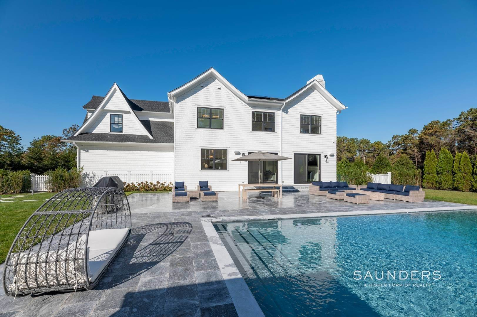 27. Single Family Homes at Gated And Very Private Ultra Luxury Modern Residence Southampton, Southampton Town, NY 11968