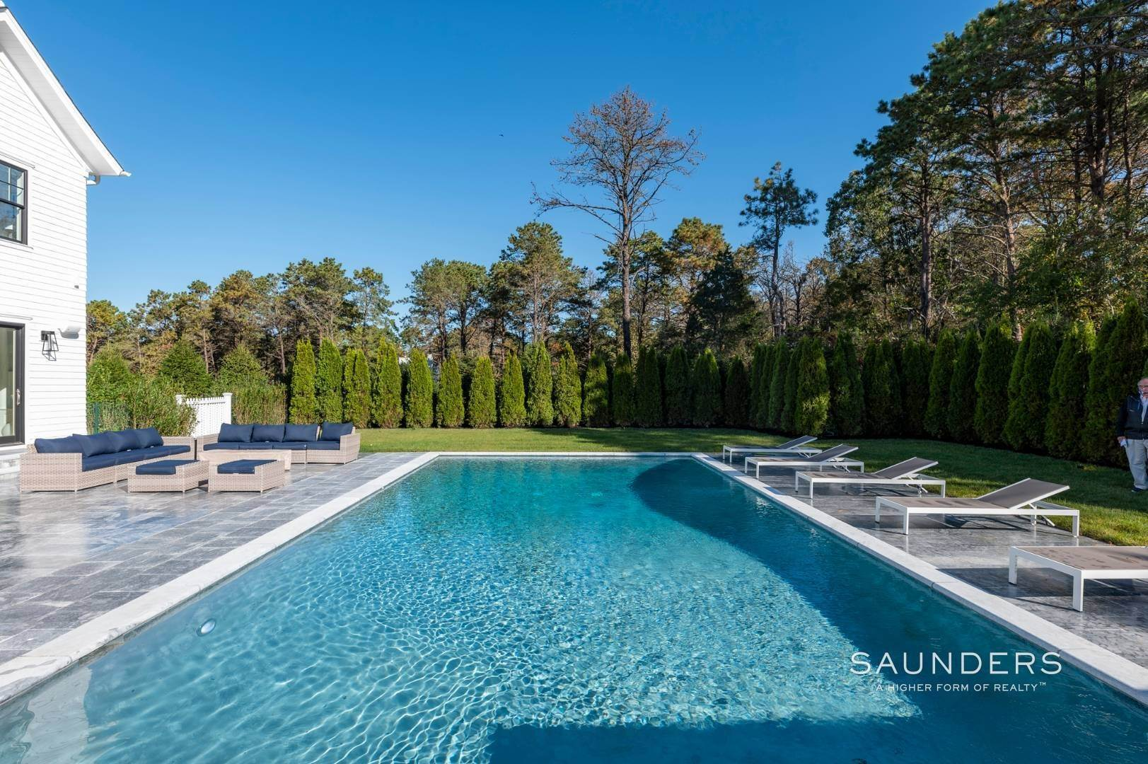 29. Single Family Homes at Gated And Very Private Ultra Luxury Modern Residence Southampton, Southampton Town, NY 11968