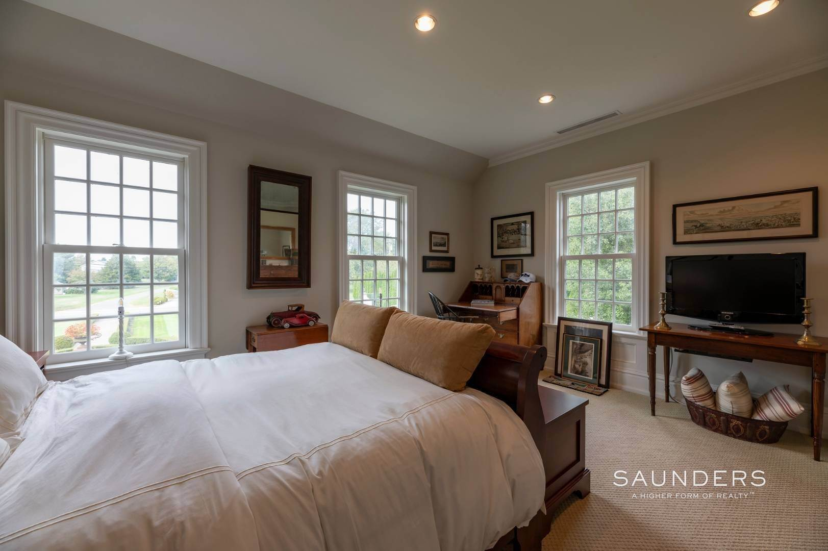 14. Single Family Homes at Estate Level Elegance At The Nowedonah House 631 Head Of The Pond Road, Water Mill, Southampton Town, NY 11976