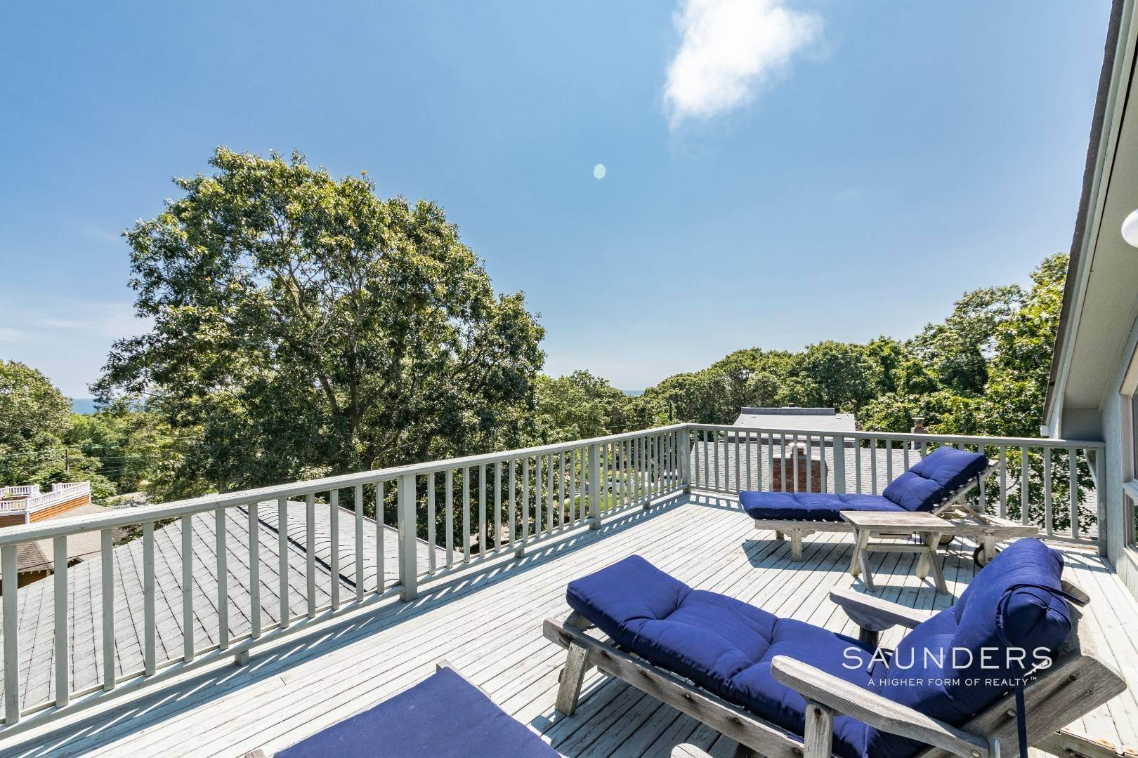 17. Single Family Homes for Sale at Montauk Beach House Heaven 133 Grant Drive, Montauk, East Hampton Town, NY 11954