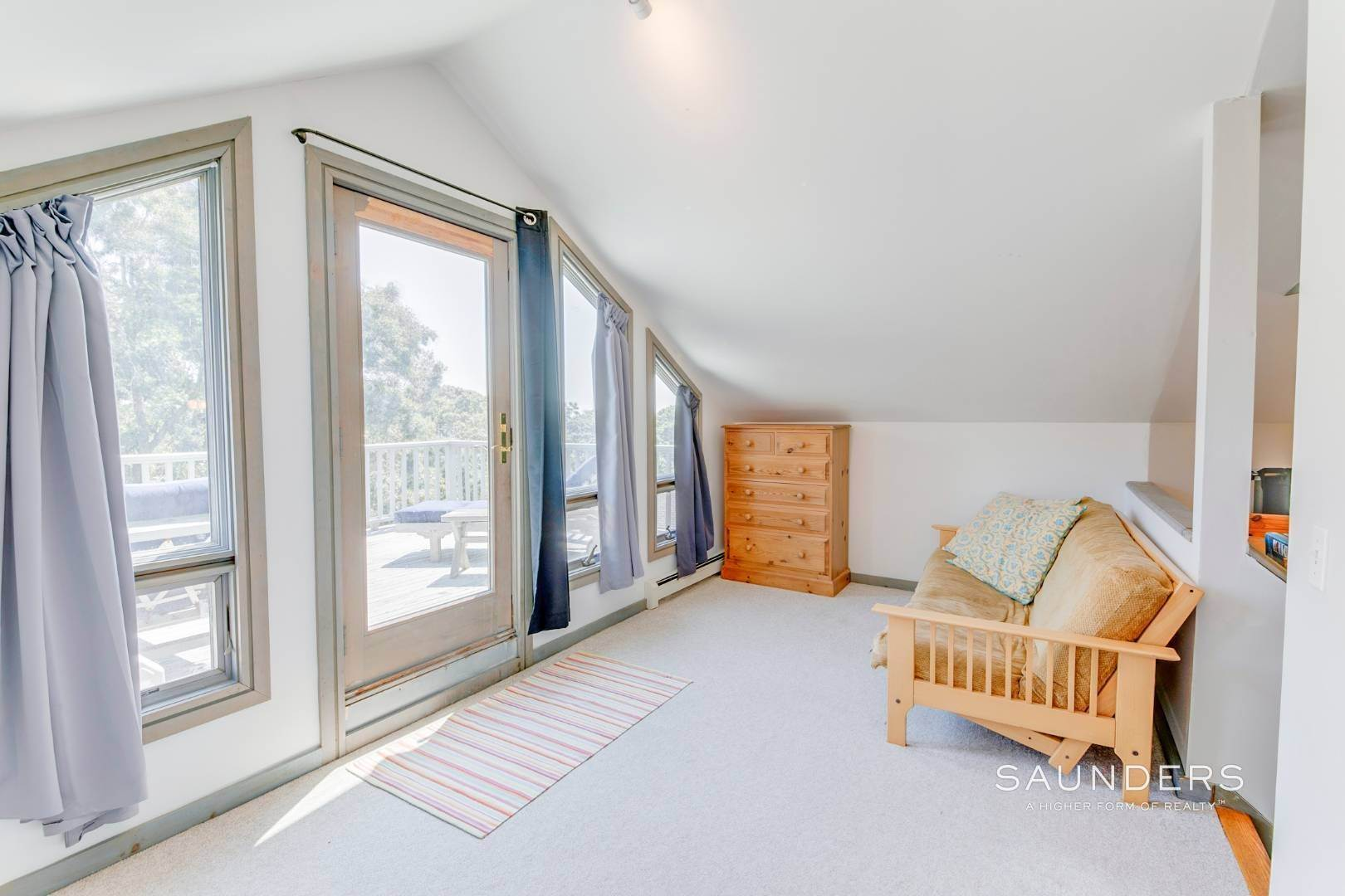 16. Single Family Homes for Sale at Montauk Beach House Heaven 133 Grant Drive, Montauk, East Hampton Town, NY 11954