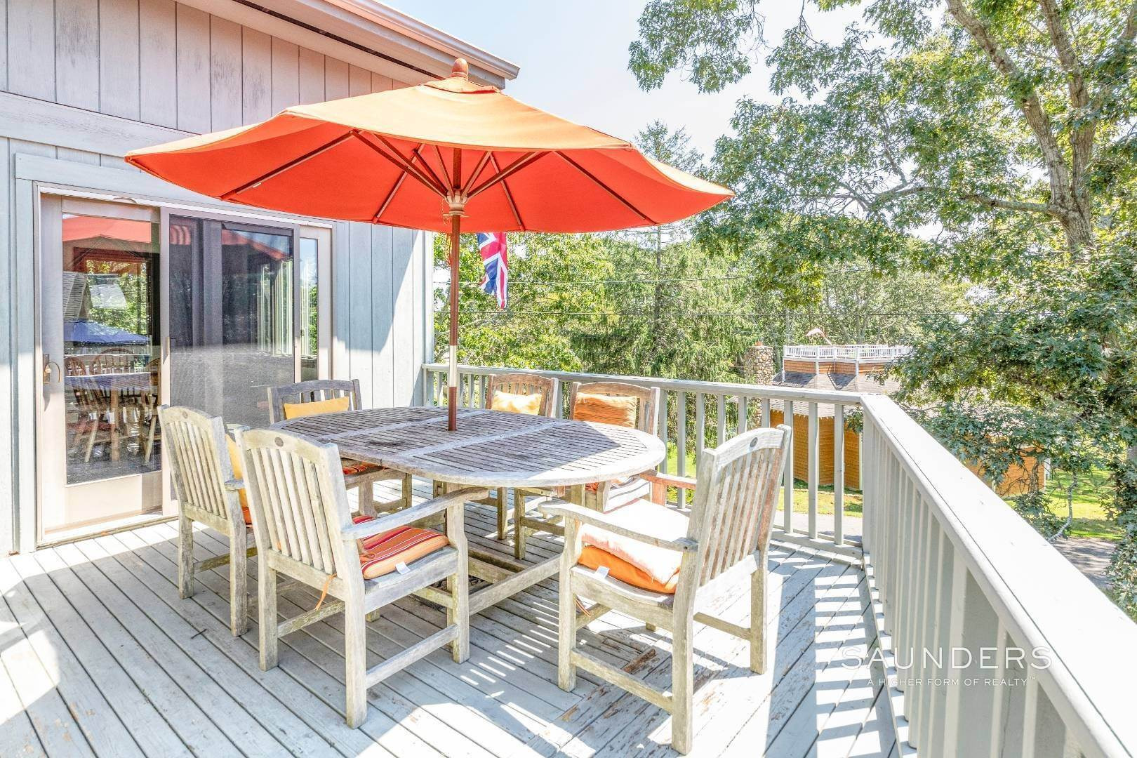 9. Single Family Homes for Sale at Montauk Beach House Heaven 133 Grant Drive, Montauk, East Hampton Town, NY 11954