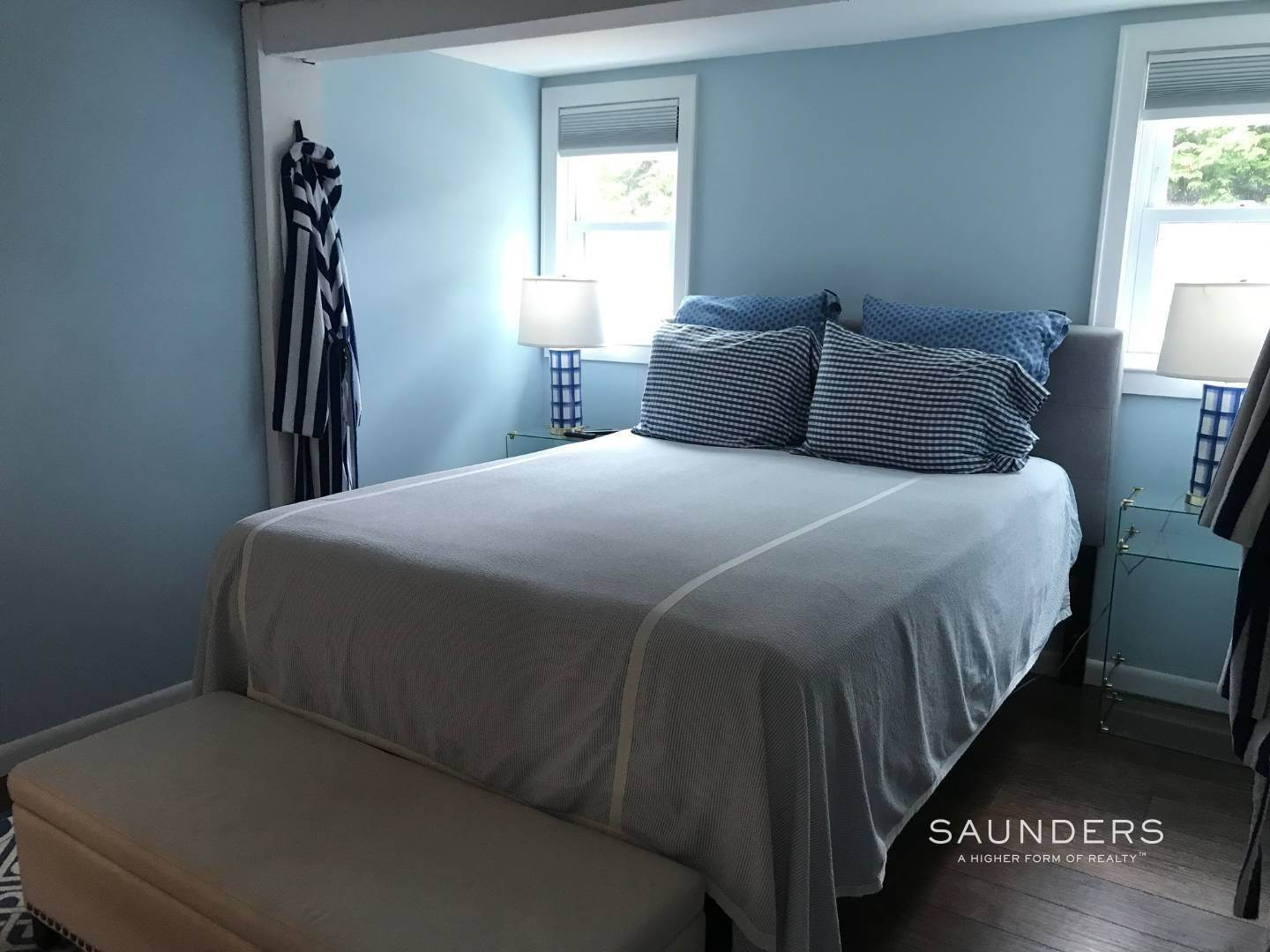 5. Single Family Homes at Cute And Clean Amagansett Cottage 632 Montauk Highway, Amagansett, East Hampton Town, NY 11954