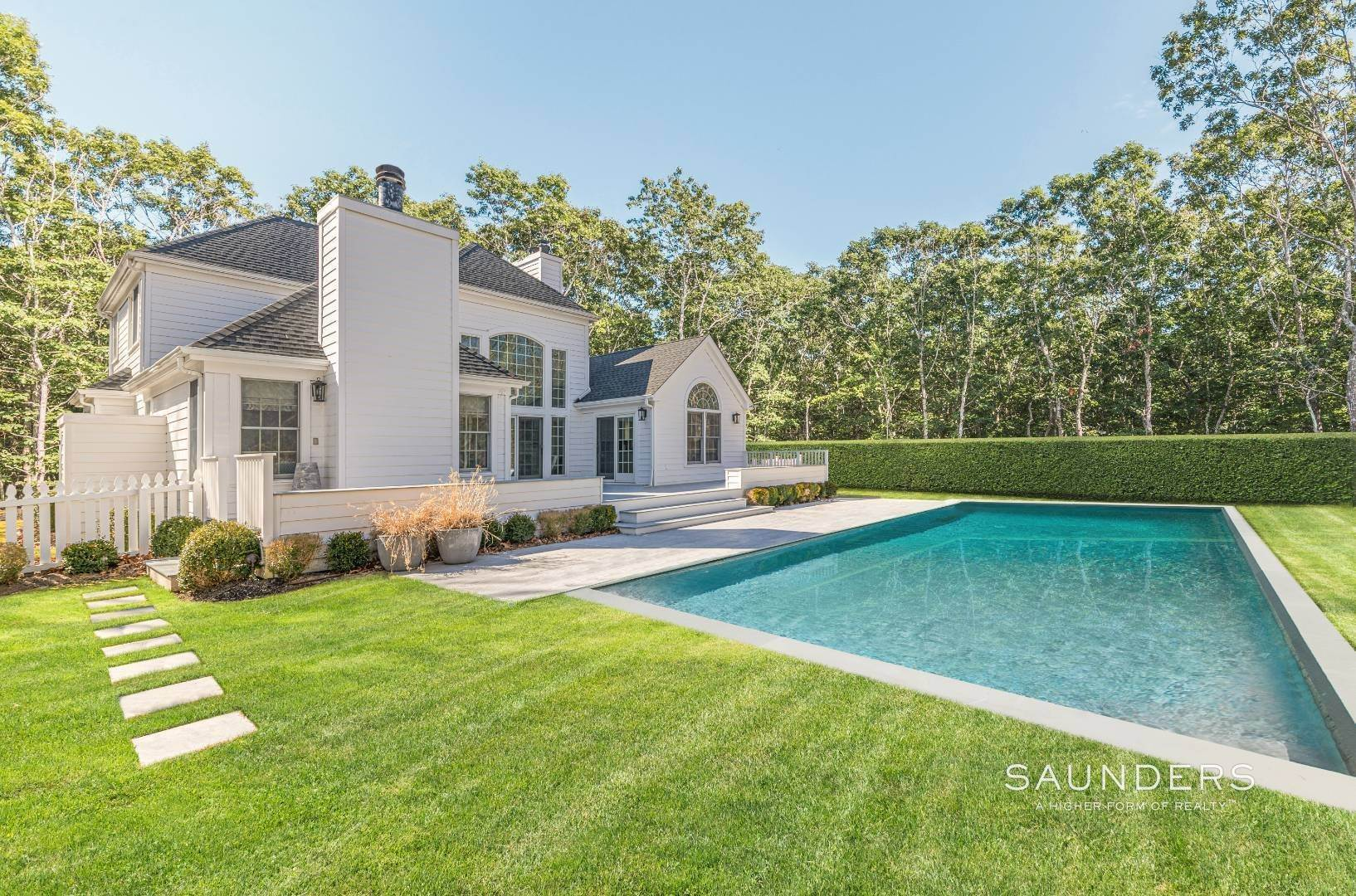 Single Family Homes for Sale at Beautifully Renovated For You In Bridgehampton 25 Tansey Lane, Bridgehampton, Southampton Town, NY 11932