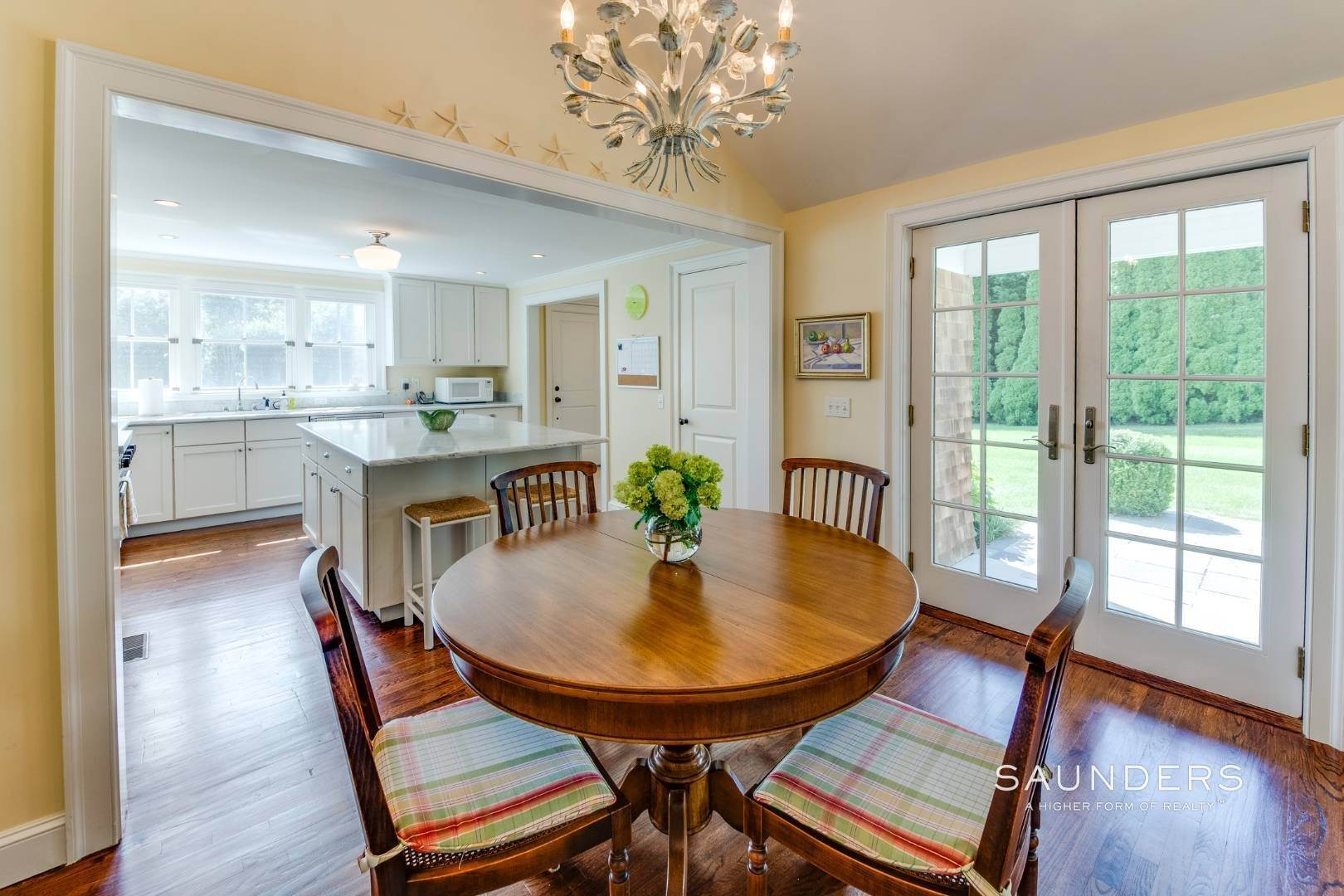 9. Single Family Homes at Almost East Hampton Village 11 Buell Lane Extension, East Hampton, East Hampton Town, NY 11937