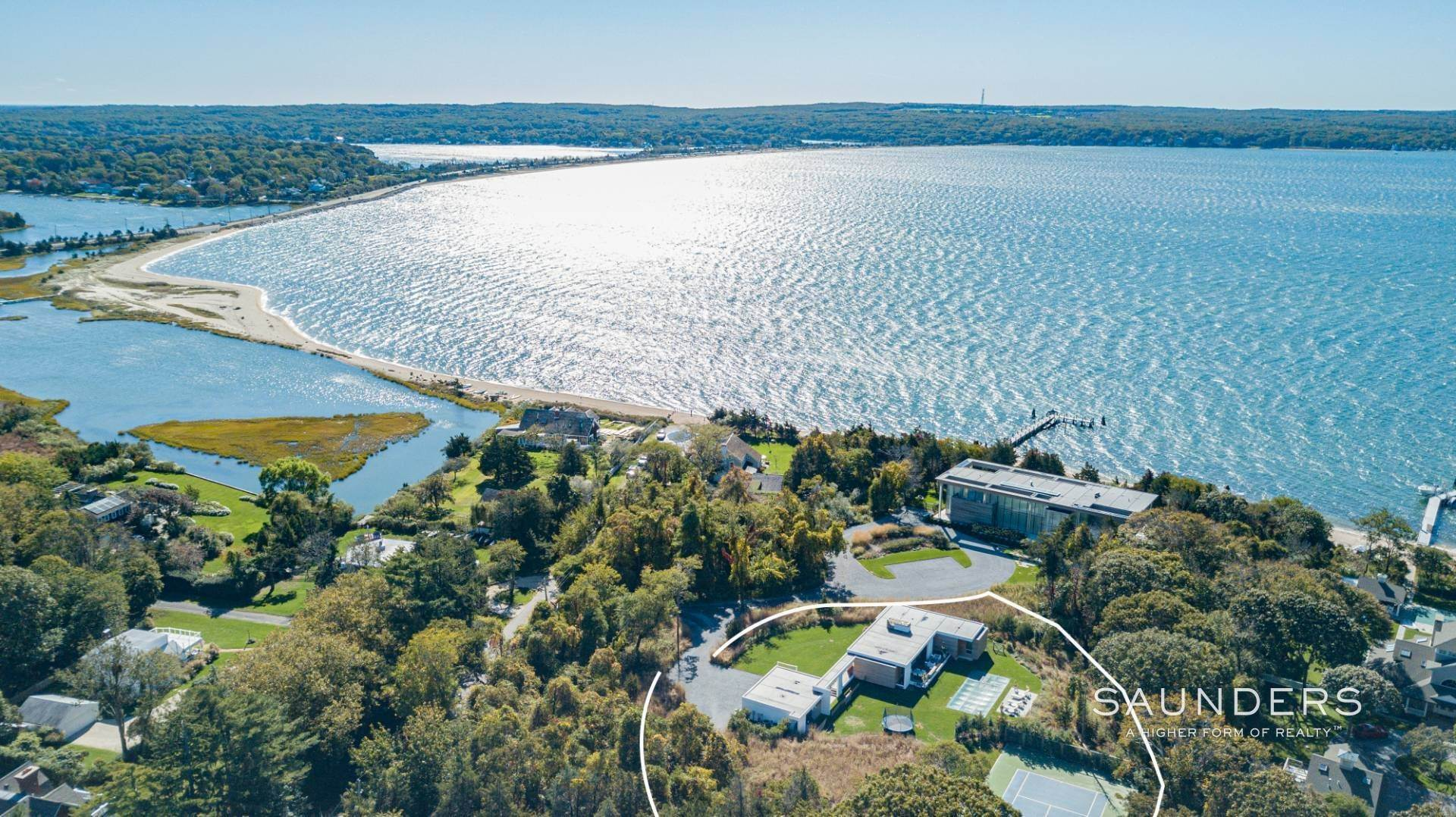 Single Family Homes at Modern Chic Beach House With Bay Access 112 Sunset Beach Road, Sag Harbor, Southampton Town, NY 11963