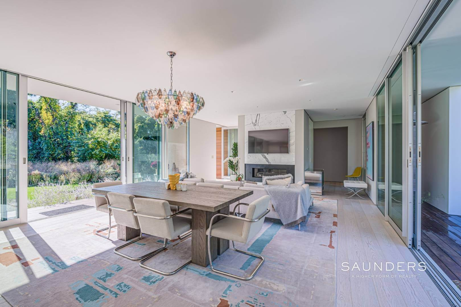8. Single Family Homes at Modern Chic Beach House With Bay Access 112 Sunset Beach Road, Sag Harbor, Southampton Town, NY 11963