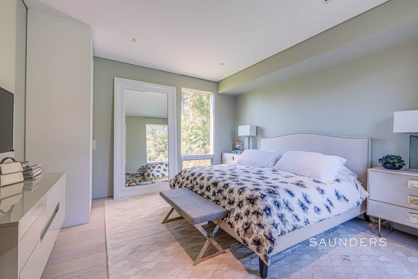 15. Single Family Homes at Modern Chic Beach House With Bay Access 112 Sunset Beach Road, Sag Harbor, Southampton Town, NY 11963