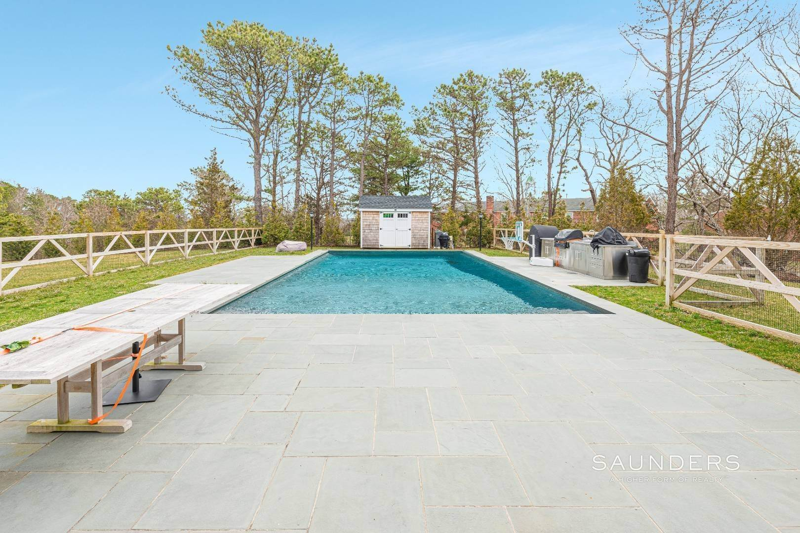 3. Single Family Homes at Impeccable Southampton With Pool And Outdoor Kitchen 80 Blackwatch Court, Southampton, Southampton Town, NY 11968