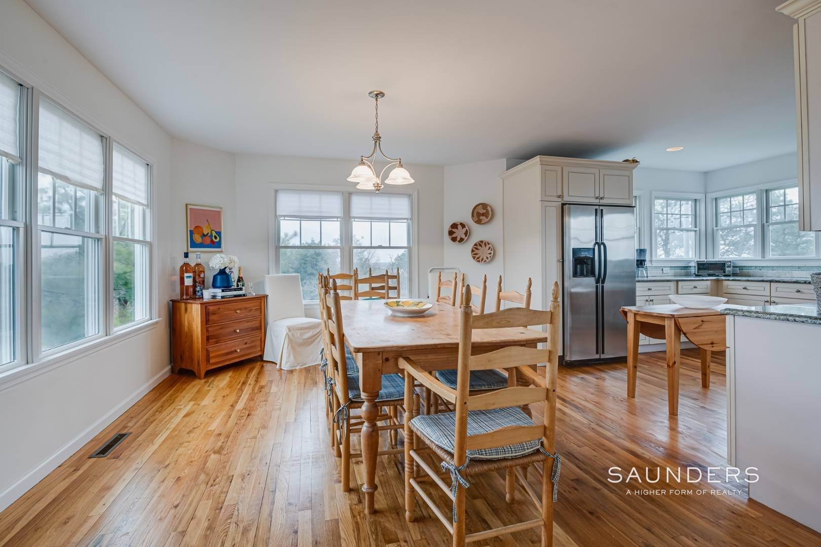 10. Single Family Homes for Sale at Beautiful Southampton Renovation With Pool And Outdoor Kitchen 80 Blackwatch Court, Southampton, Southampton Town, NY 11968