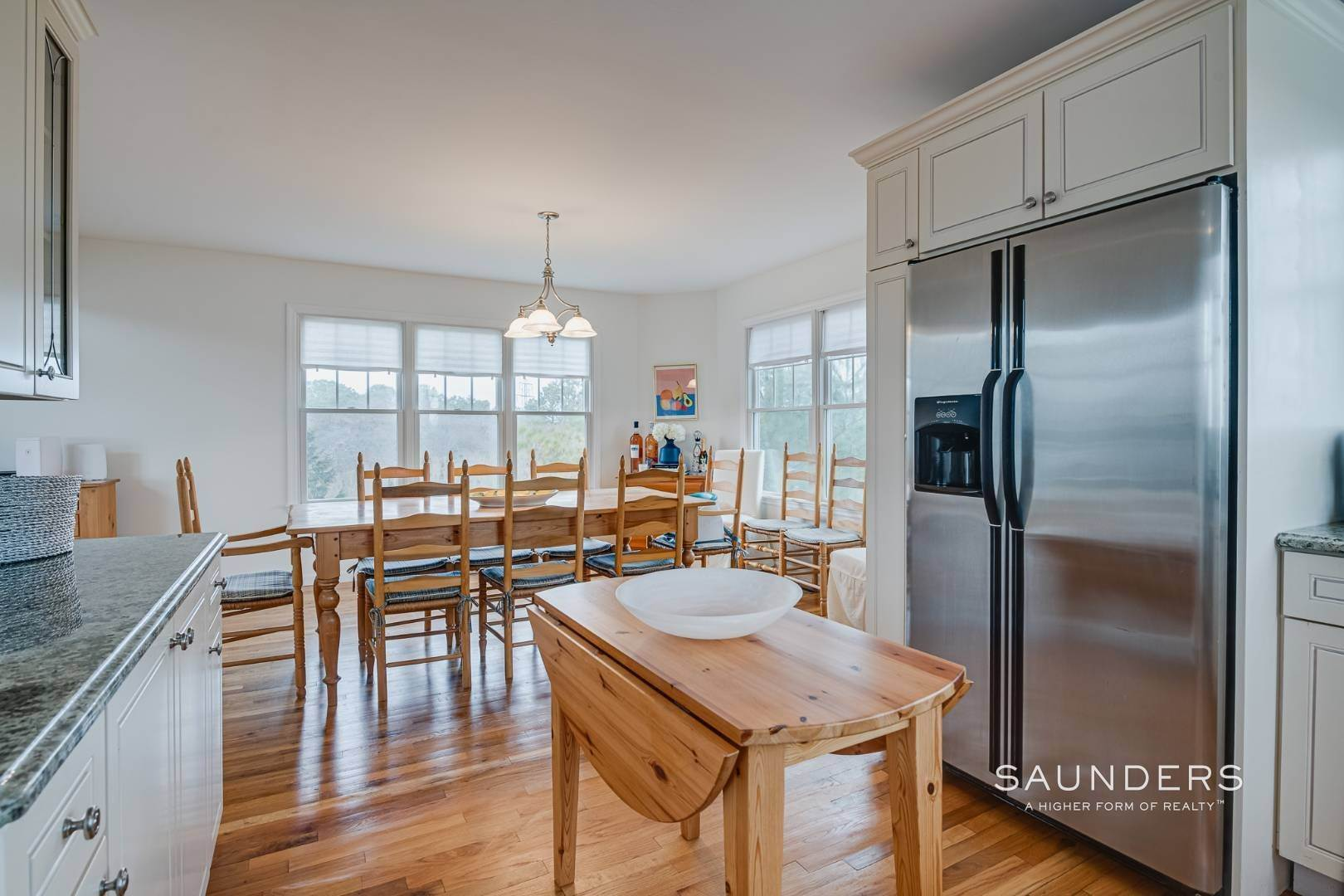 11. Single Family Homes for Sale at Beautiful Southampton Renovation With Pool And Outdoor Kitchen 80 Blackwatch Court, Southampton, Southampton Town, NY 11968